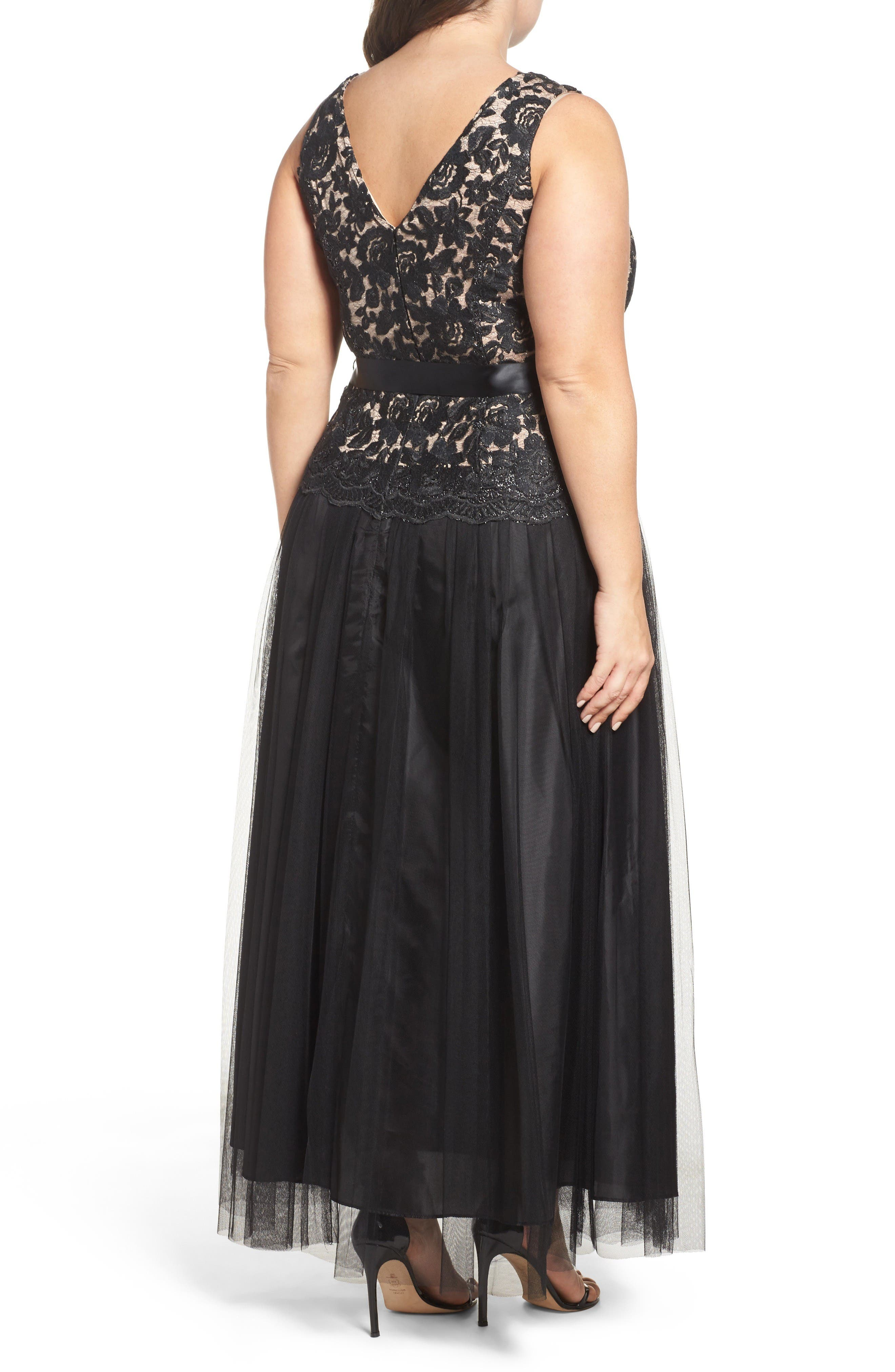 Alternate Image 2  - Marina Illusion Lace & Mesh Gown (Plus Size)