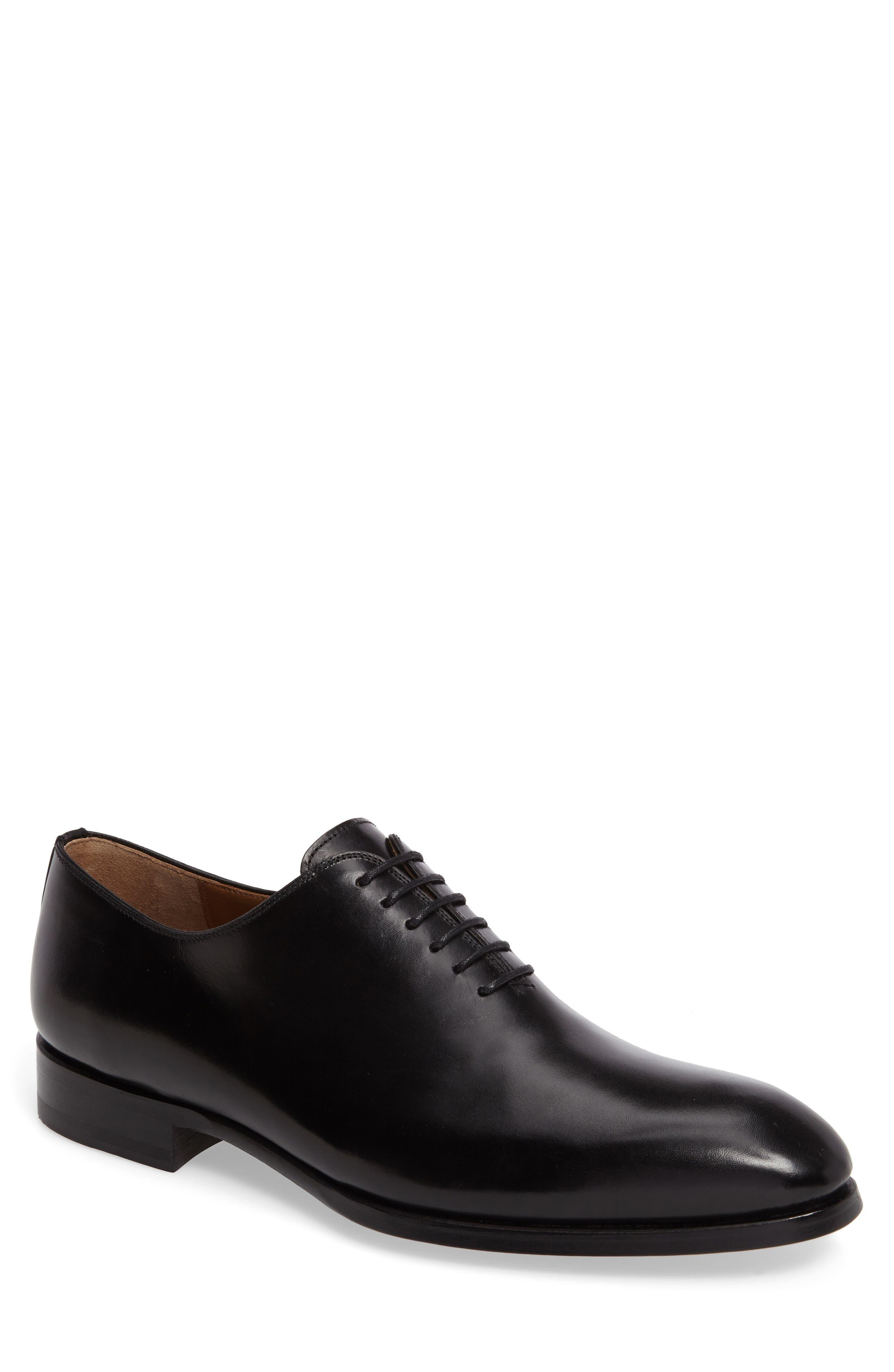 MAGNANNI Flex Wholecut Leather Oxford Shoes in Black