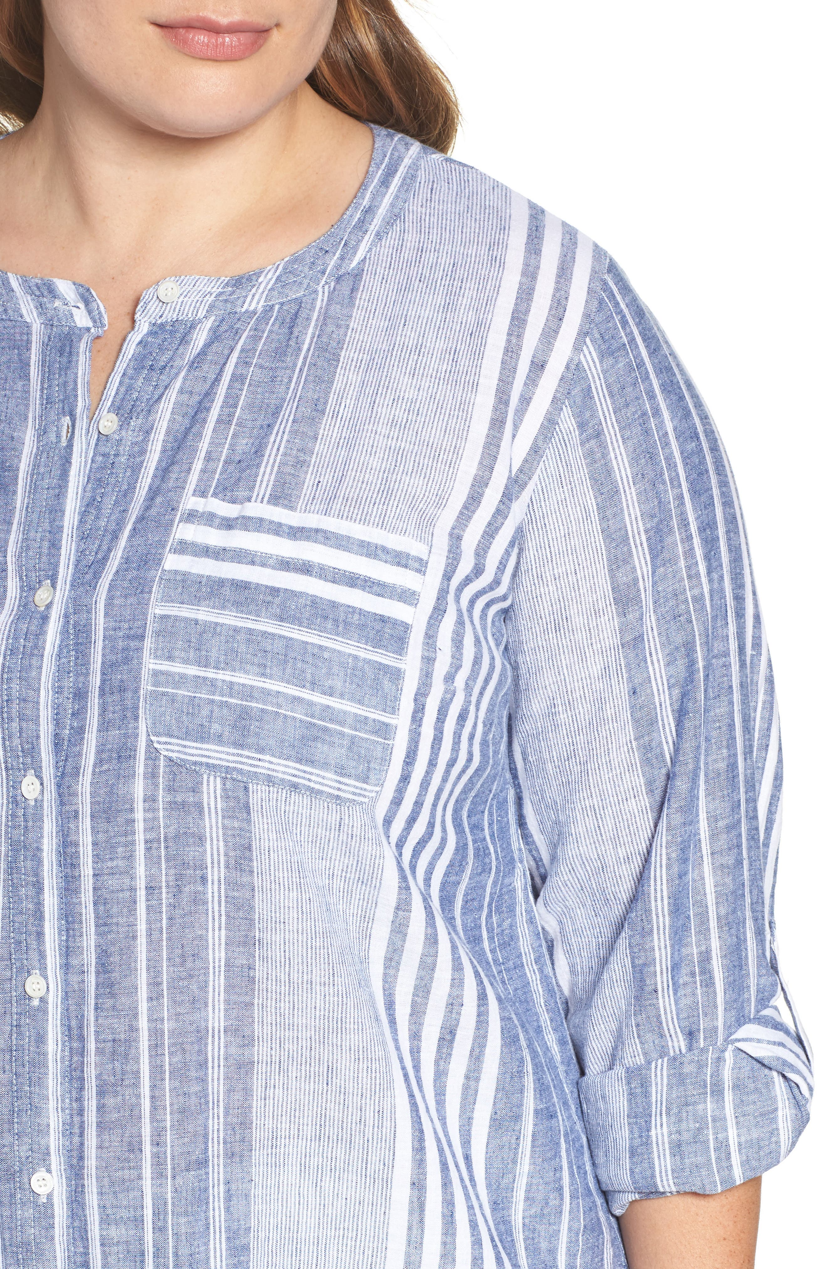 Alternate Image 4  - Two by Vince Camuto Variegated Stripe Linen Blend Tunic (Plus Size)