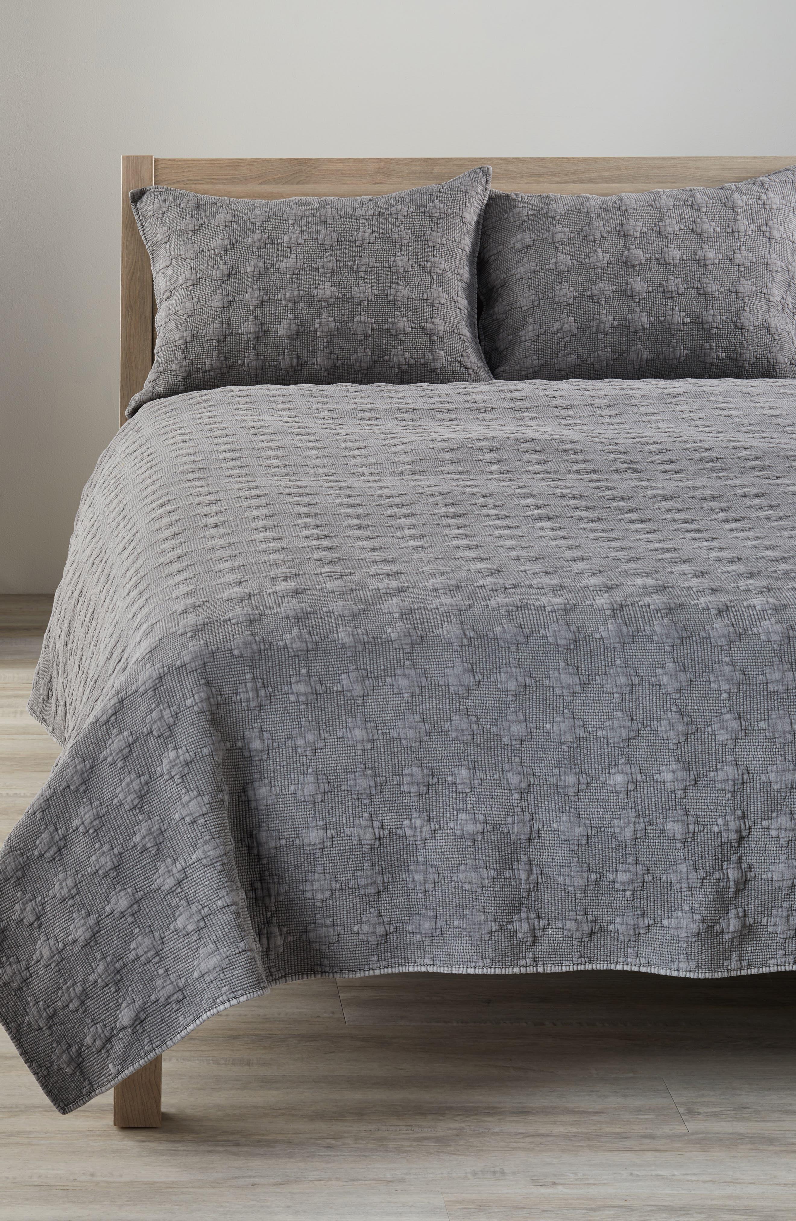 Garment Wash Quilt,                         Main,                         color, Grey Frost