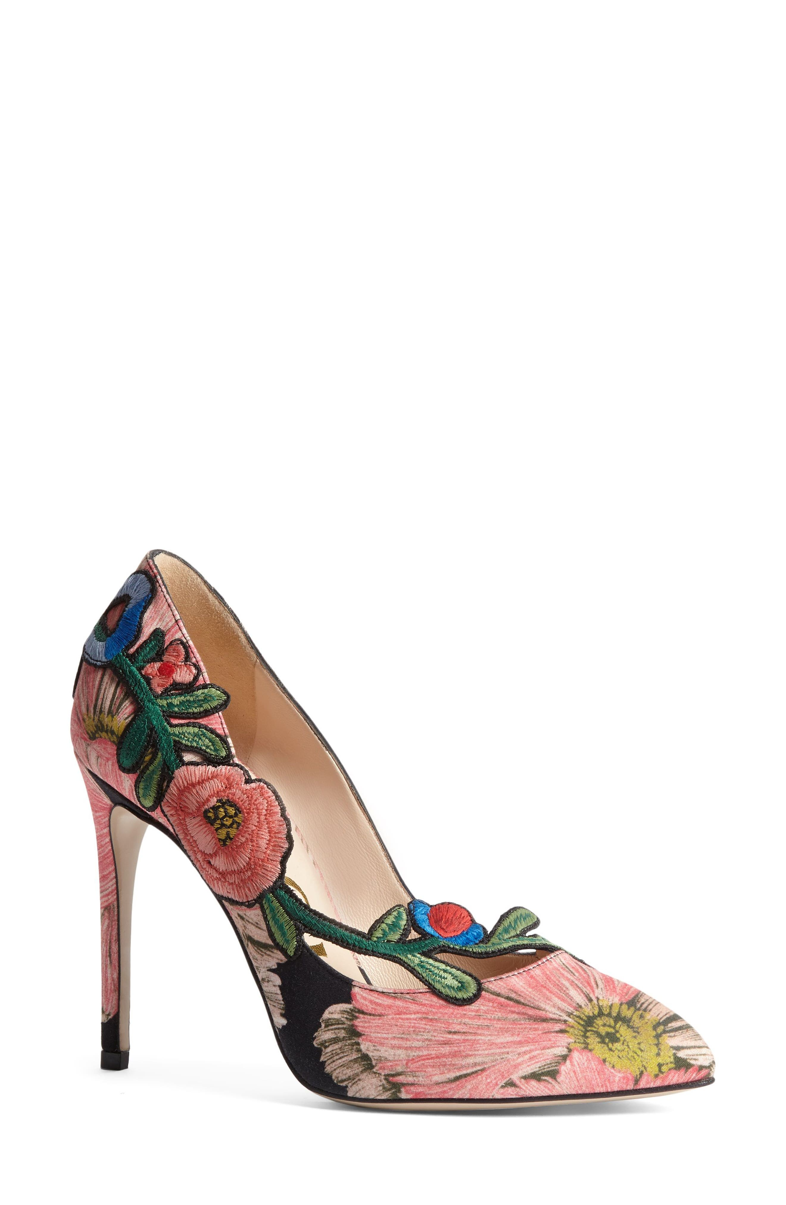 Alternate Image 1 Selected - Gucci Ophelia Floral Pump (Women)