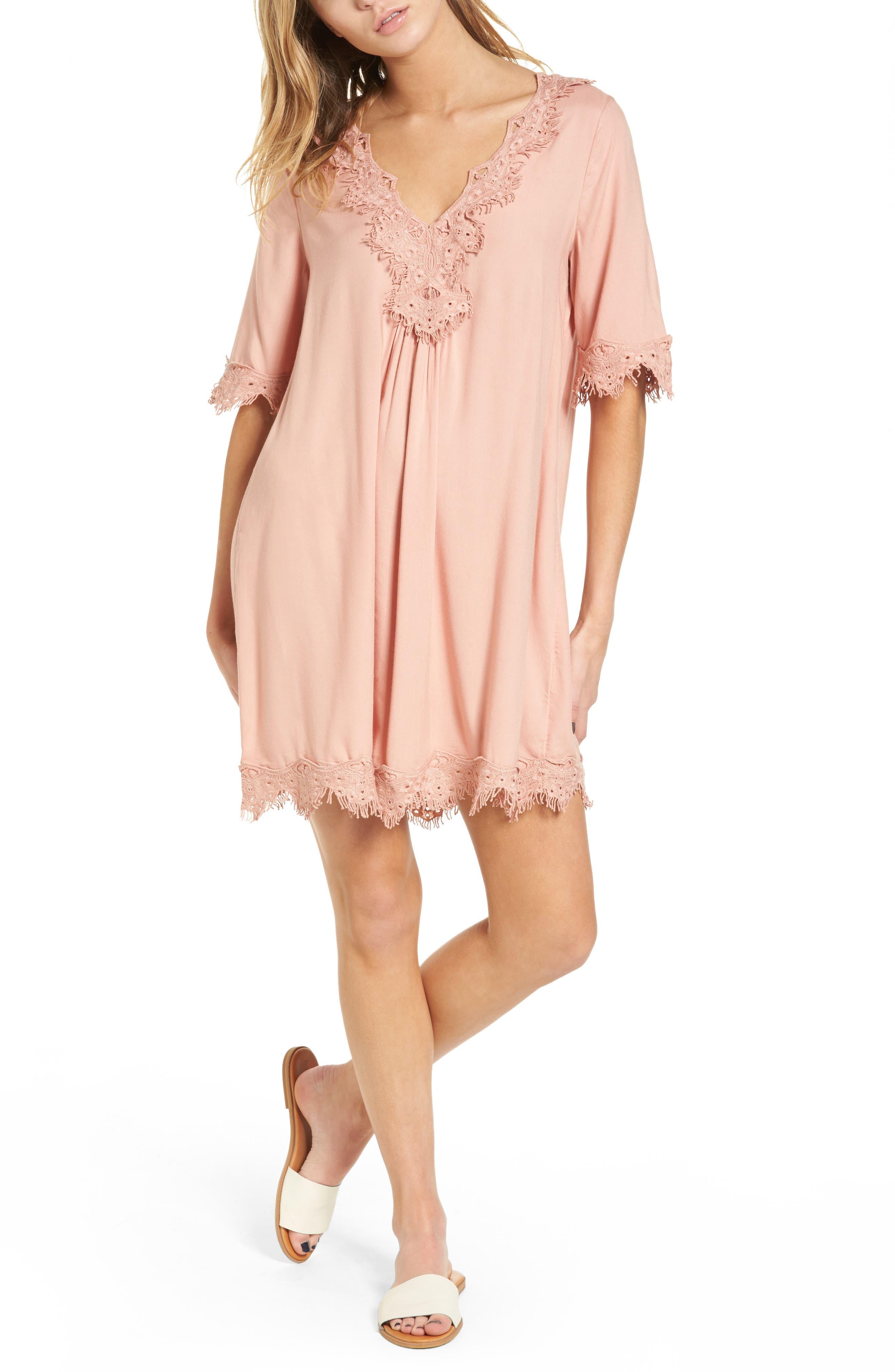 Hinge Lace Trim Shift Dress