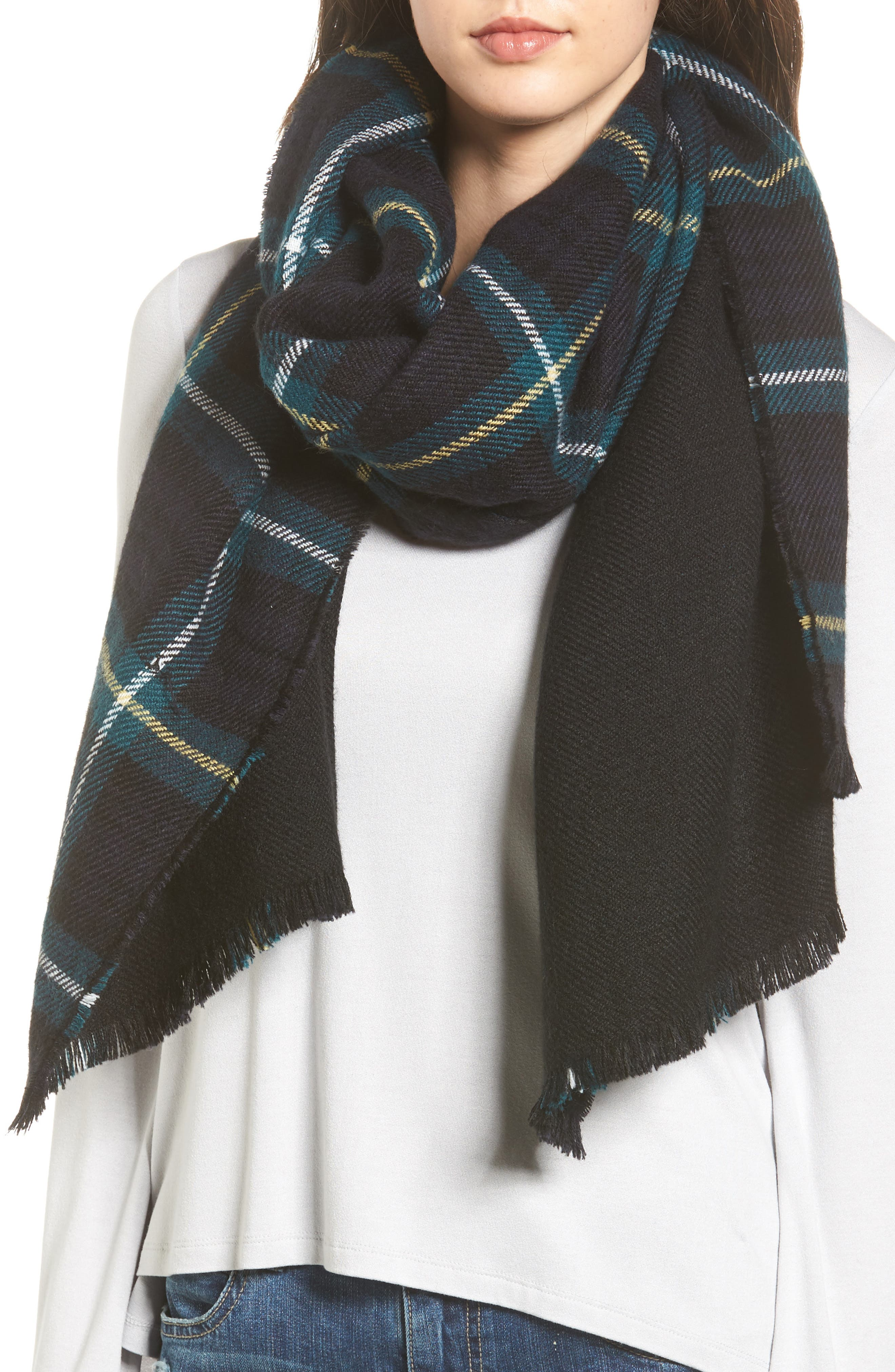 SHIRALEAH Reagan Plaid Scarf