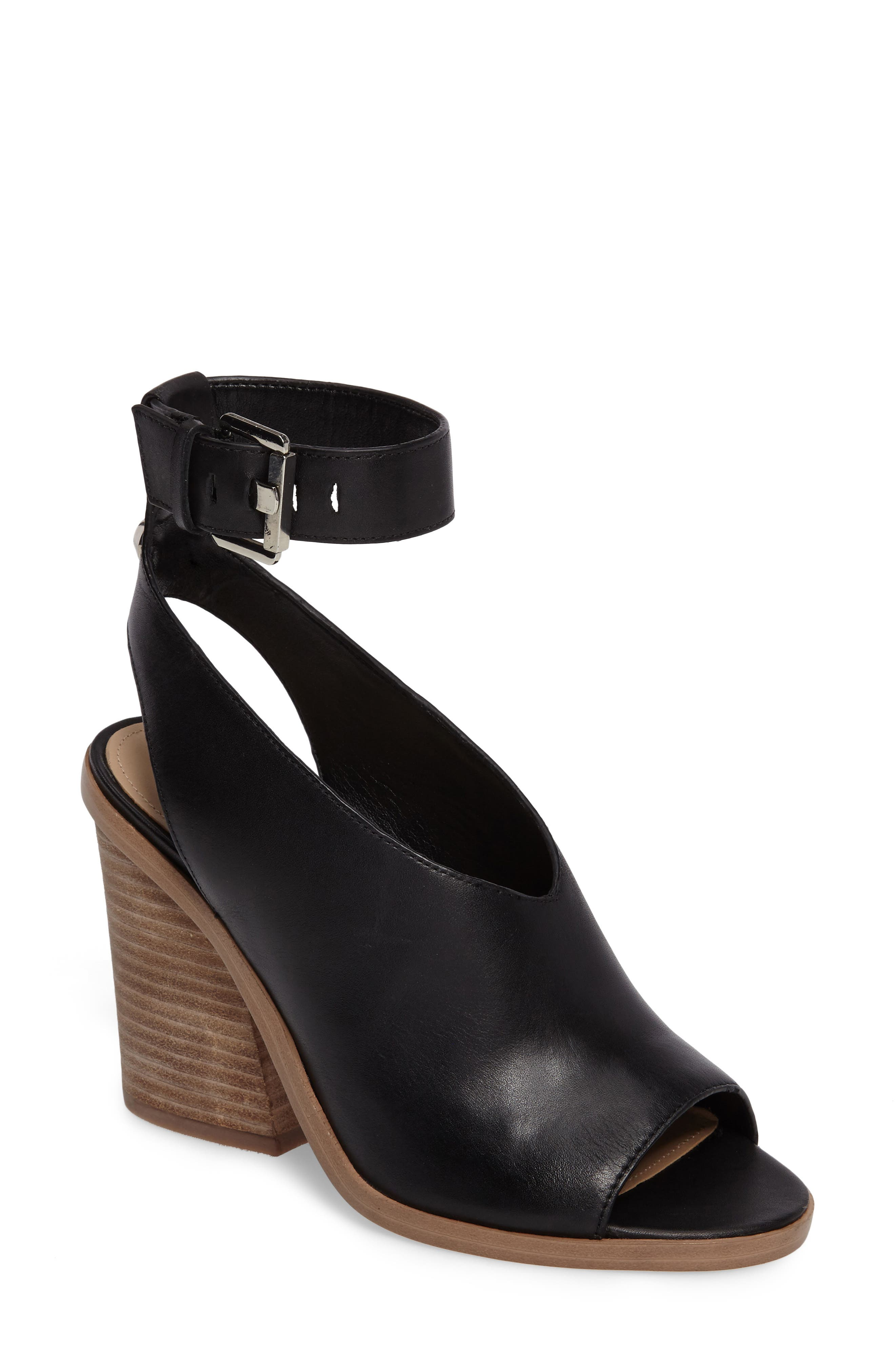 Main Image - Marc Fisher LTD Vidal Ankle Strap Sandal (Women)