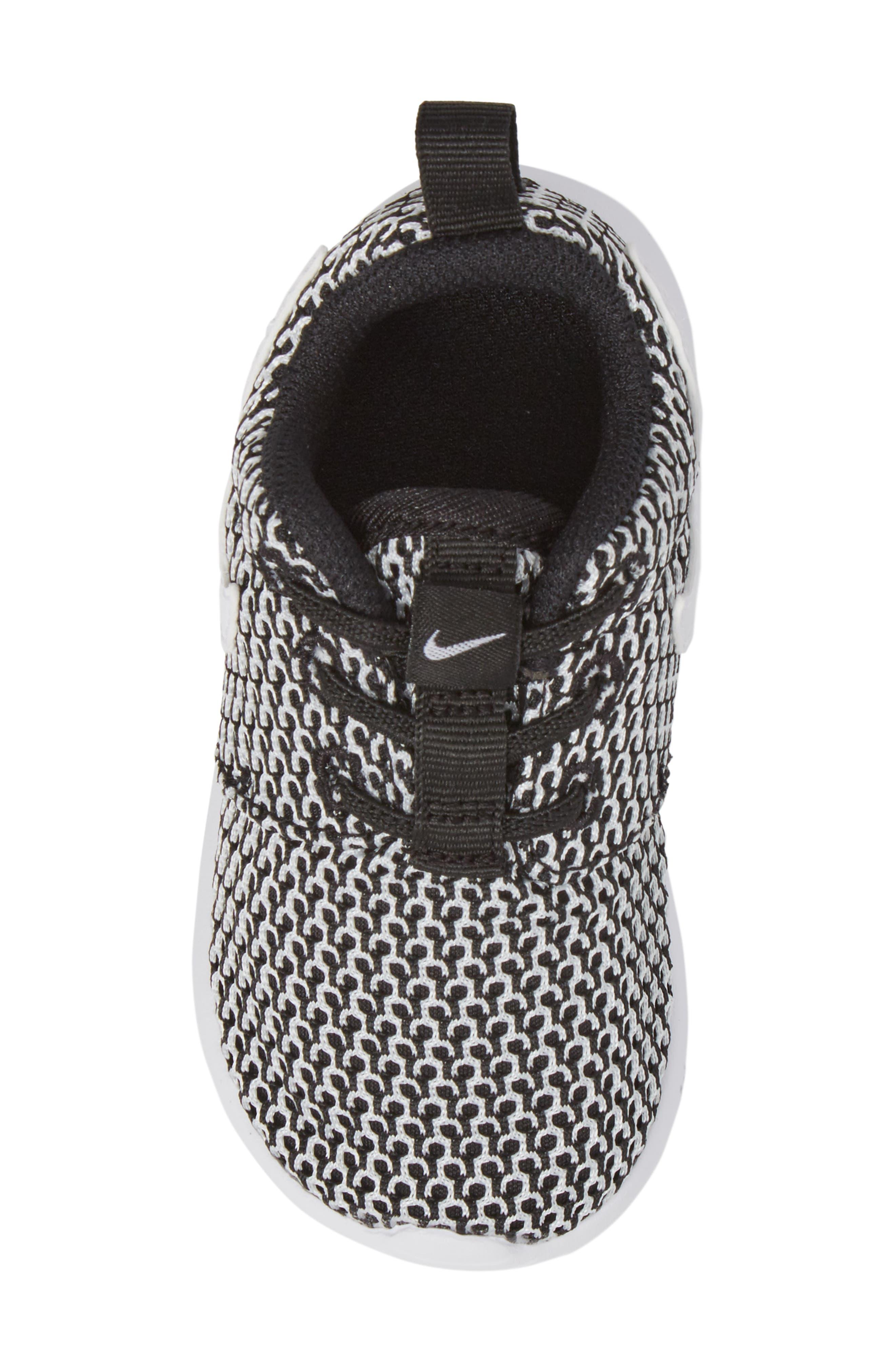 Alternate Image 5  - Nike 'Roshe Run' Sneaker (Baby, Walker & Toddler)