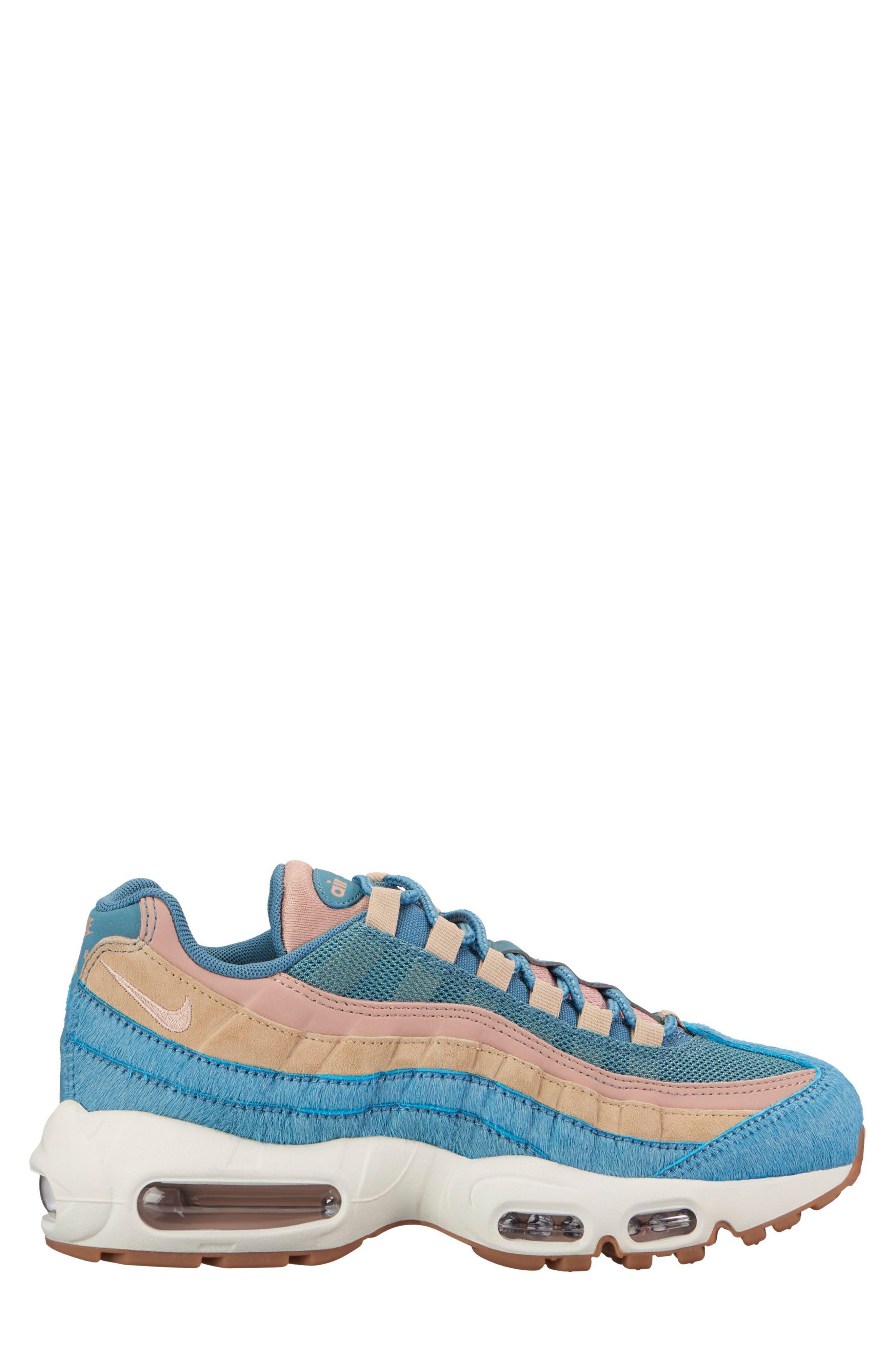 Nike Air Max 95 LX Shoe (Women)