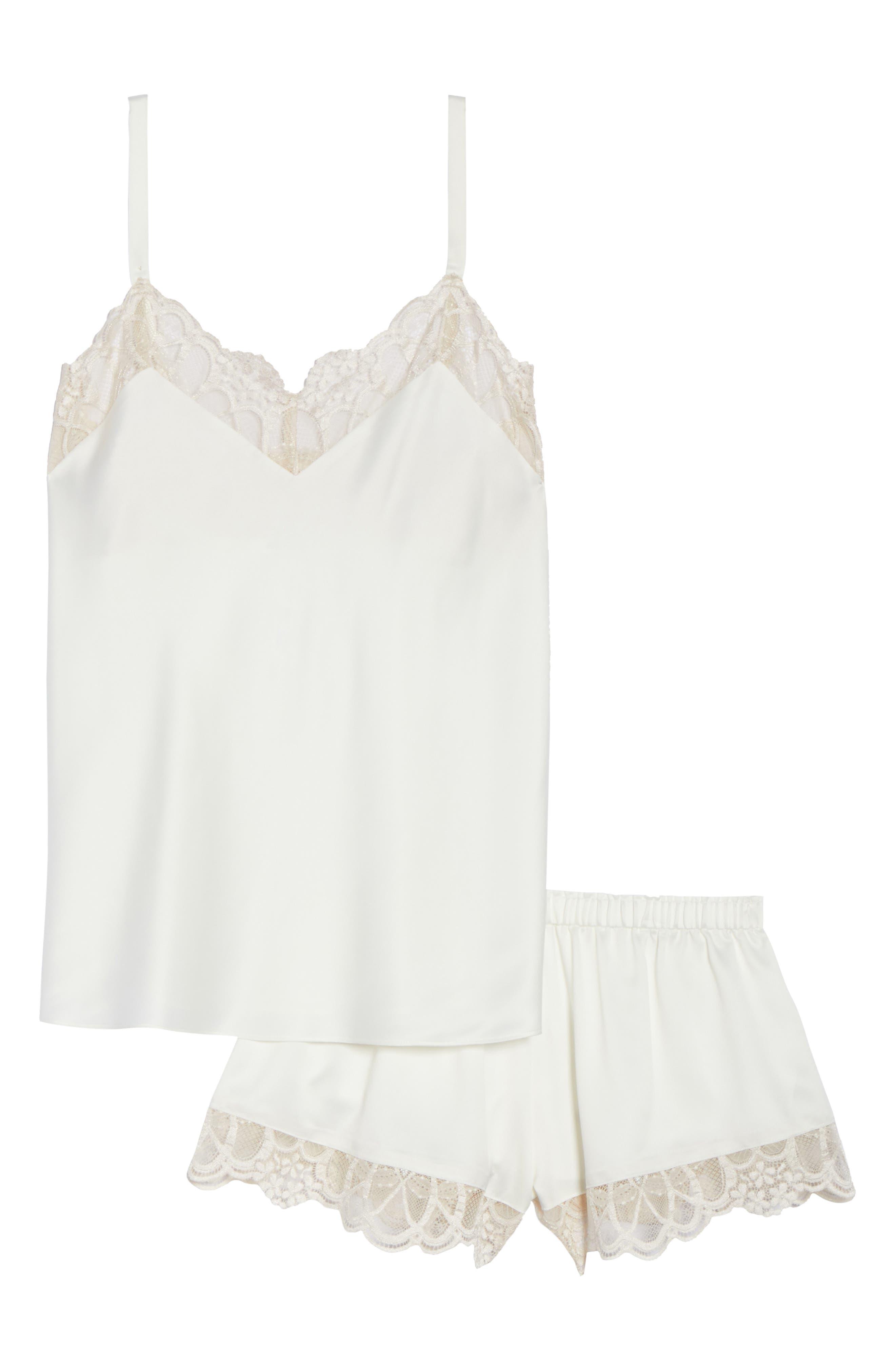 Alternate Image 4  - Flora Nikrooz Gabby Short Pajamas