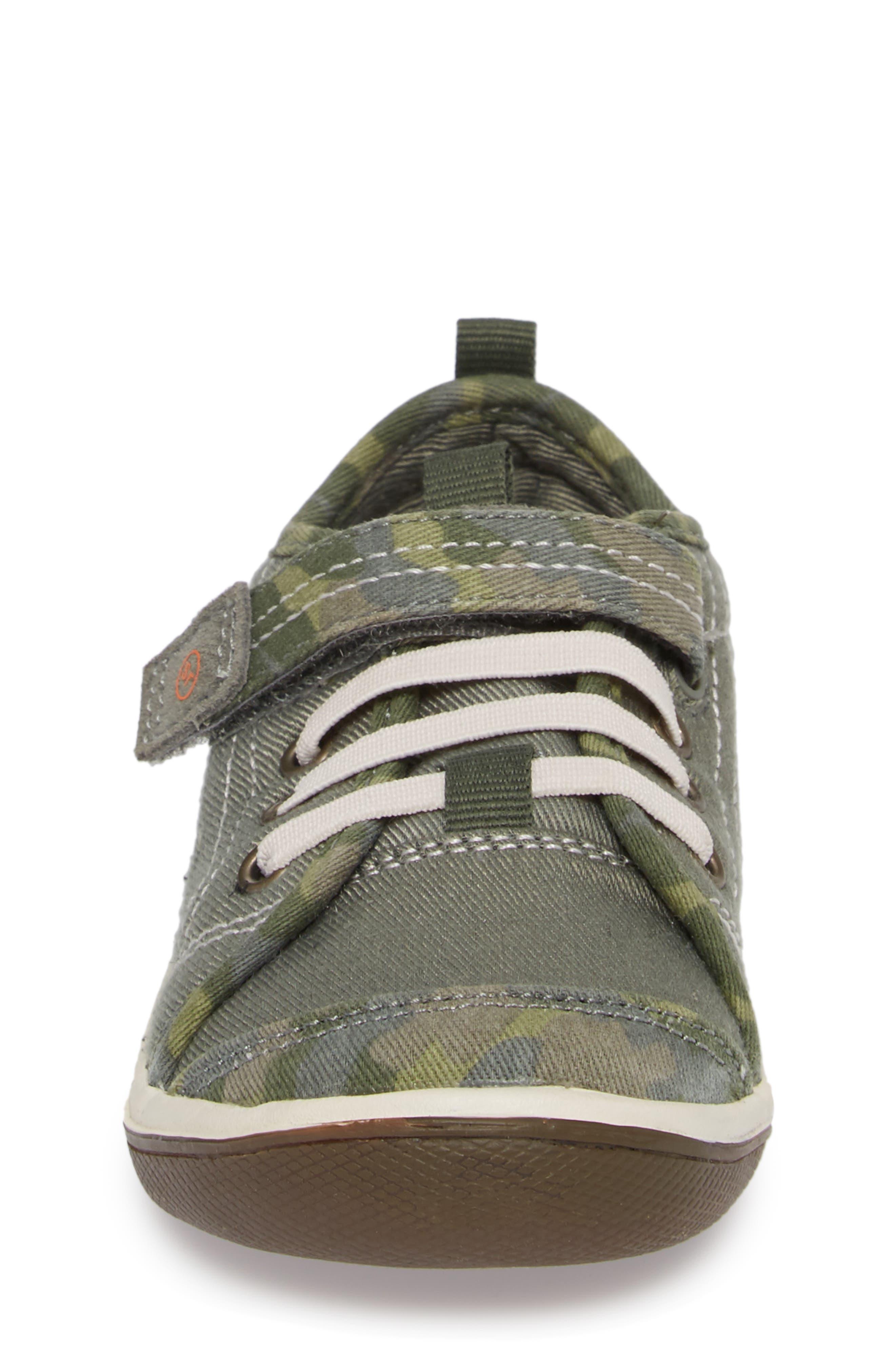 Alternate Image 2  - Stride Rite Dakota Sneaker (Baby, Walker & Toddler)