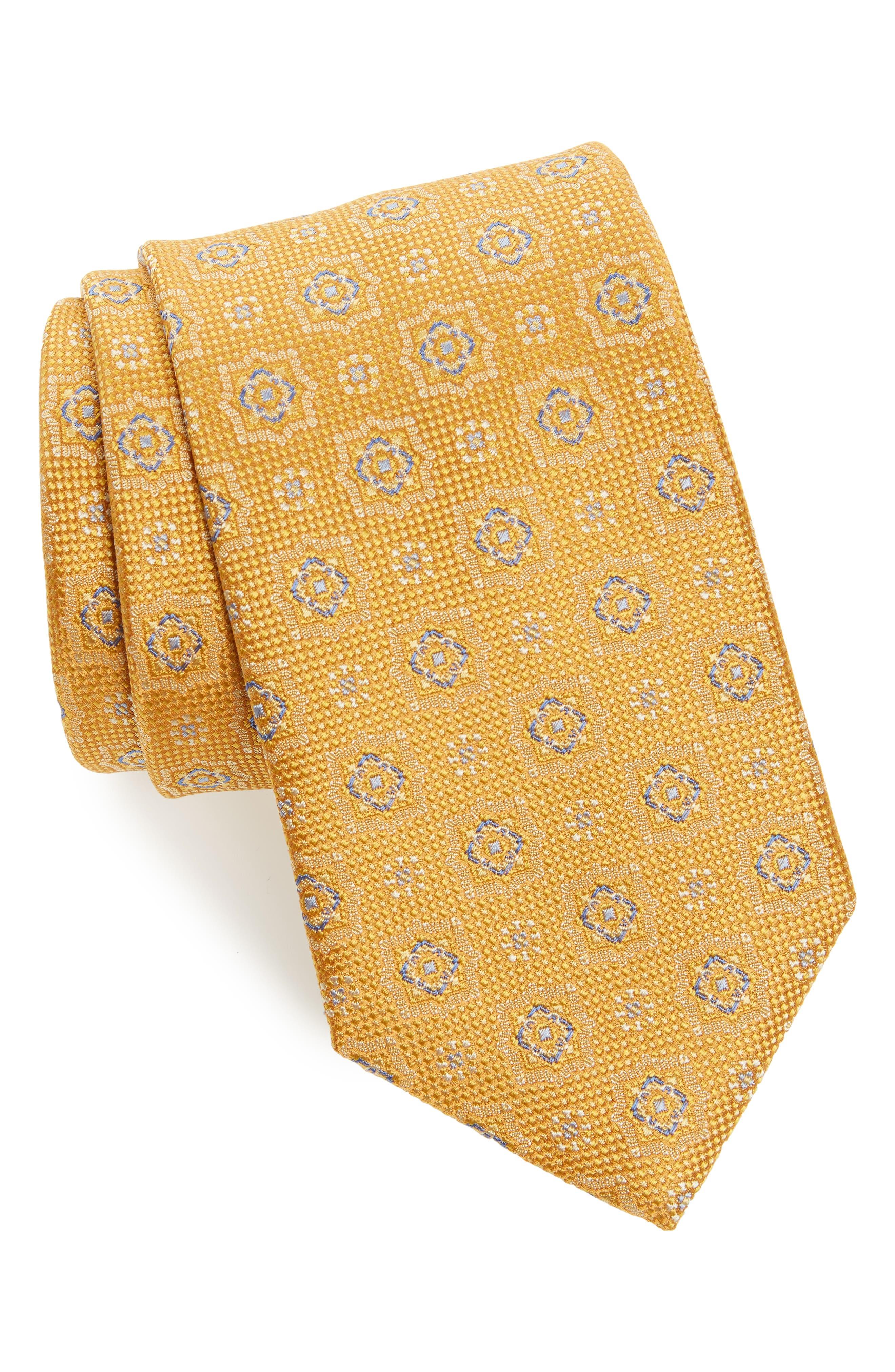 Alternate Image 1 Selected - David Donahue Medallion Silk Tie