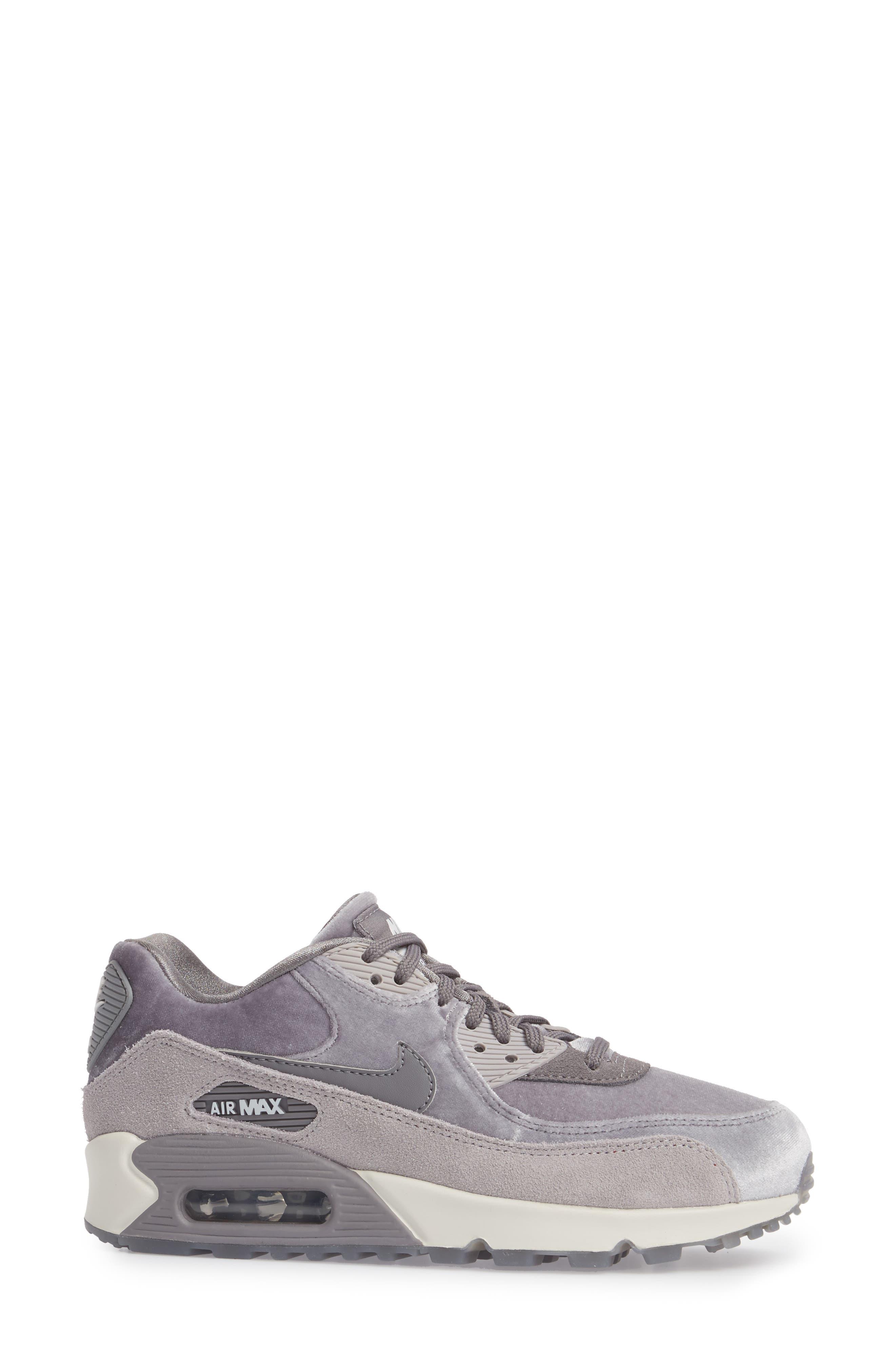 Air Max 90 LX Sneaker,                             Alternate thumbnail 3, color,                             Smoke/ Smoke