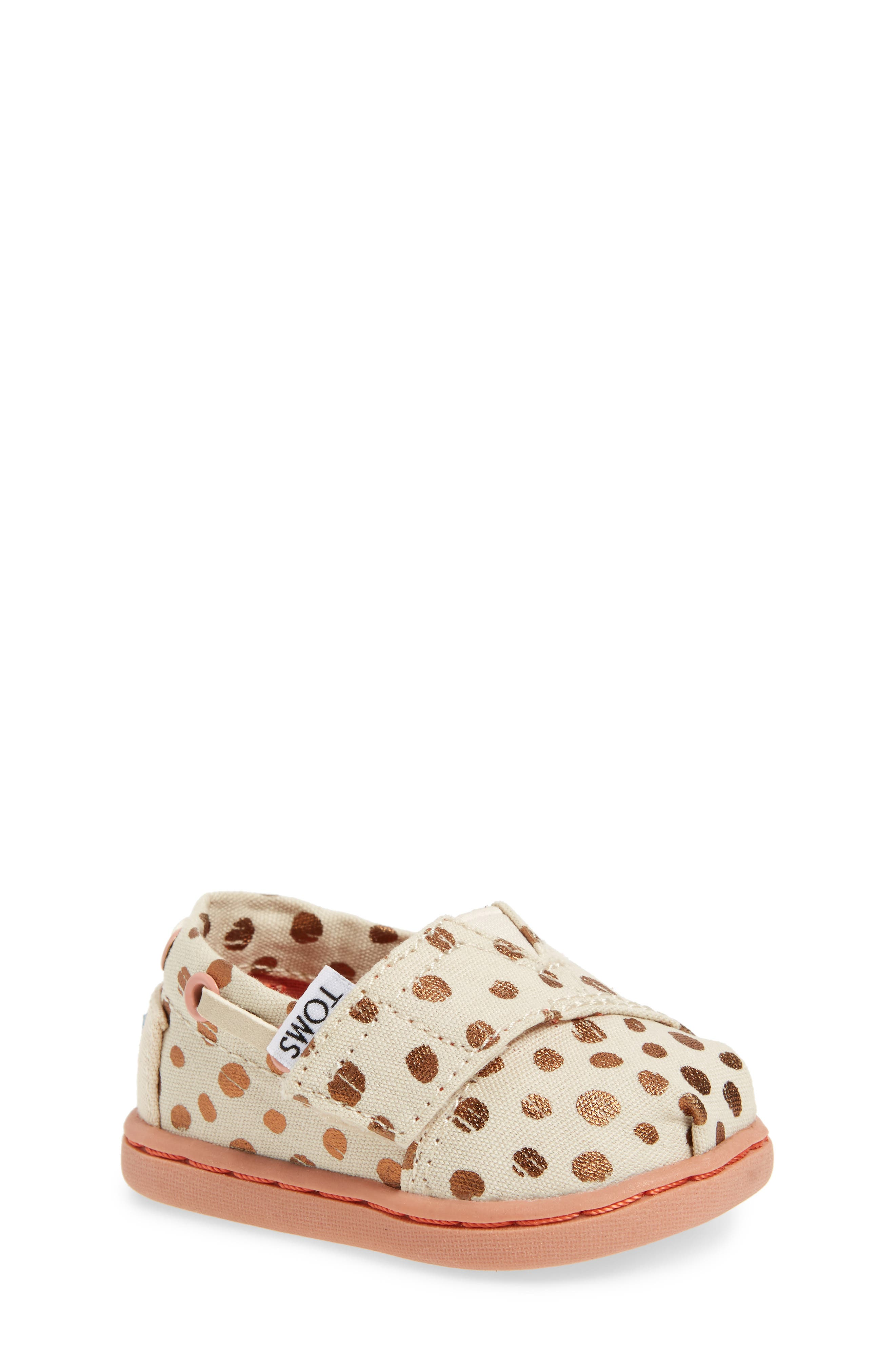 grey and nordstrom crib all shoes baby toms cribs walker girls c