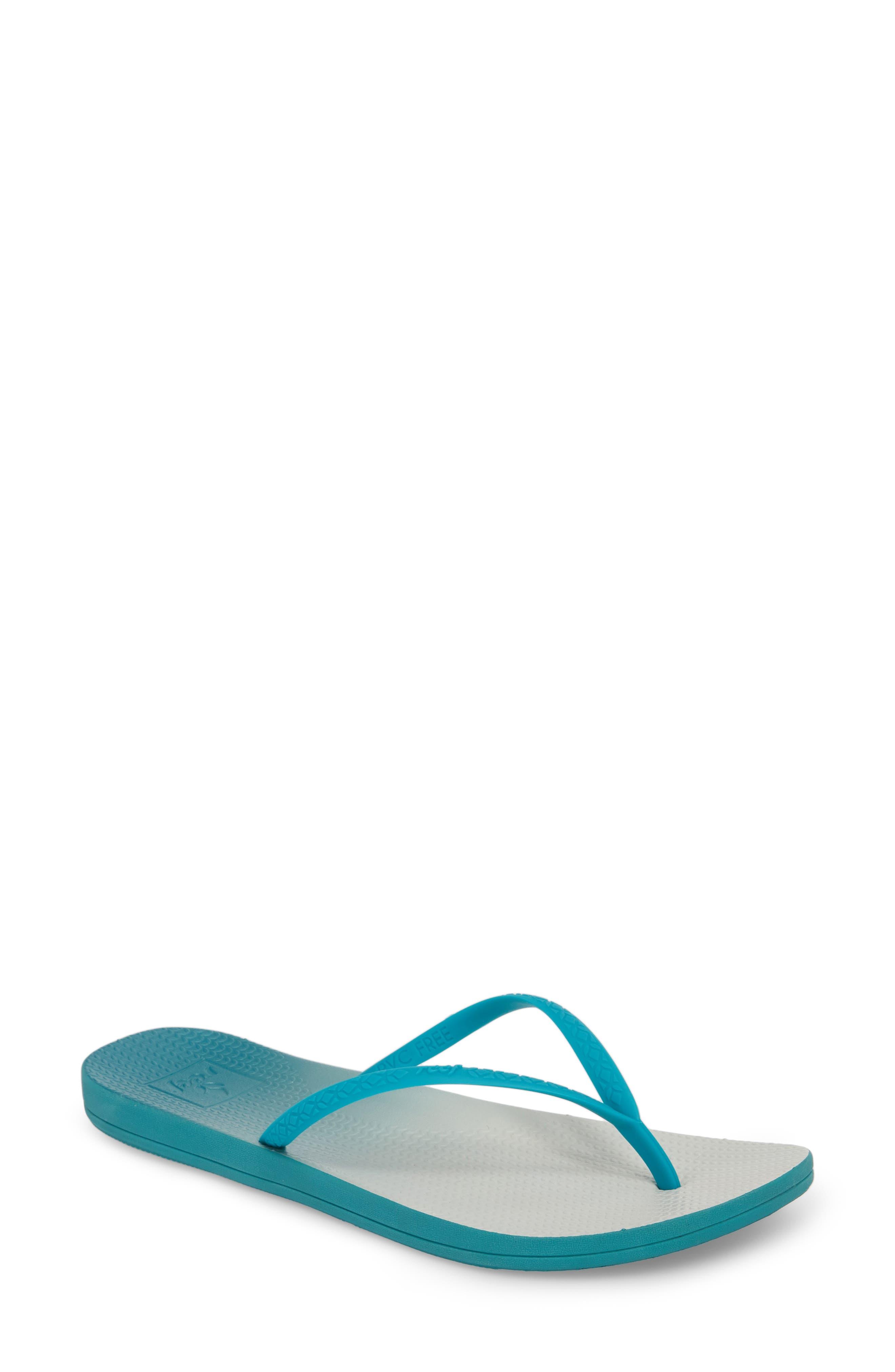 Main Image - Reef Escape Lux Flip Flop (Women)