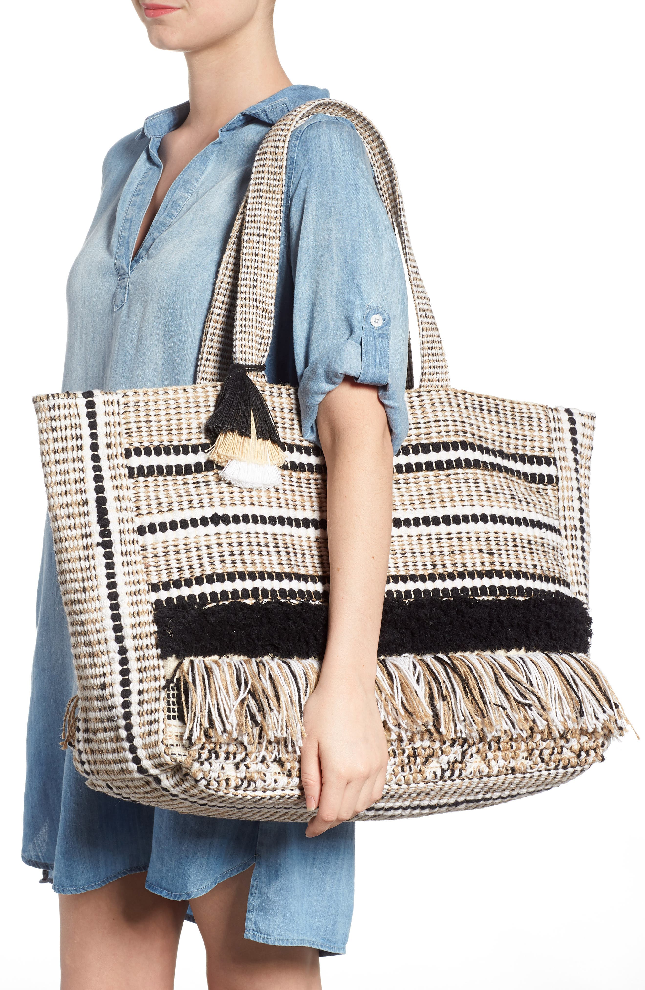 Carried Away Woven Weekend Tote,                             Alternate thumbnail 7, color,                             Black Sands