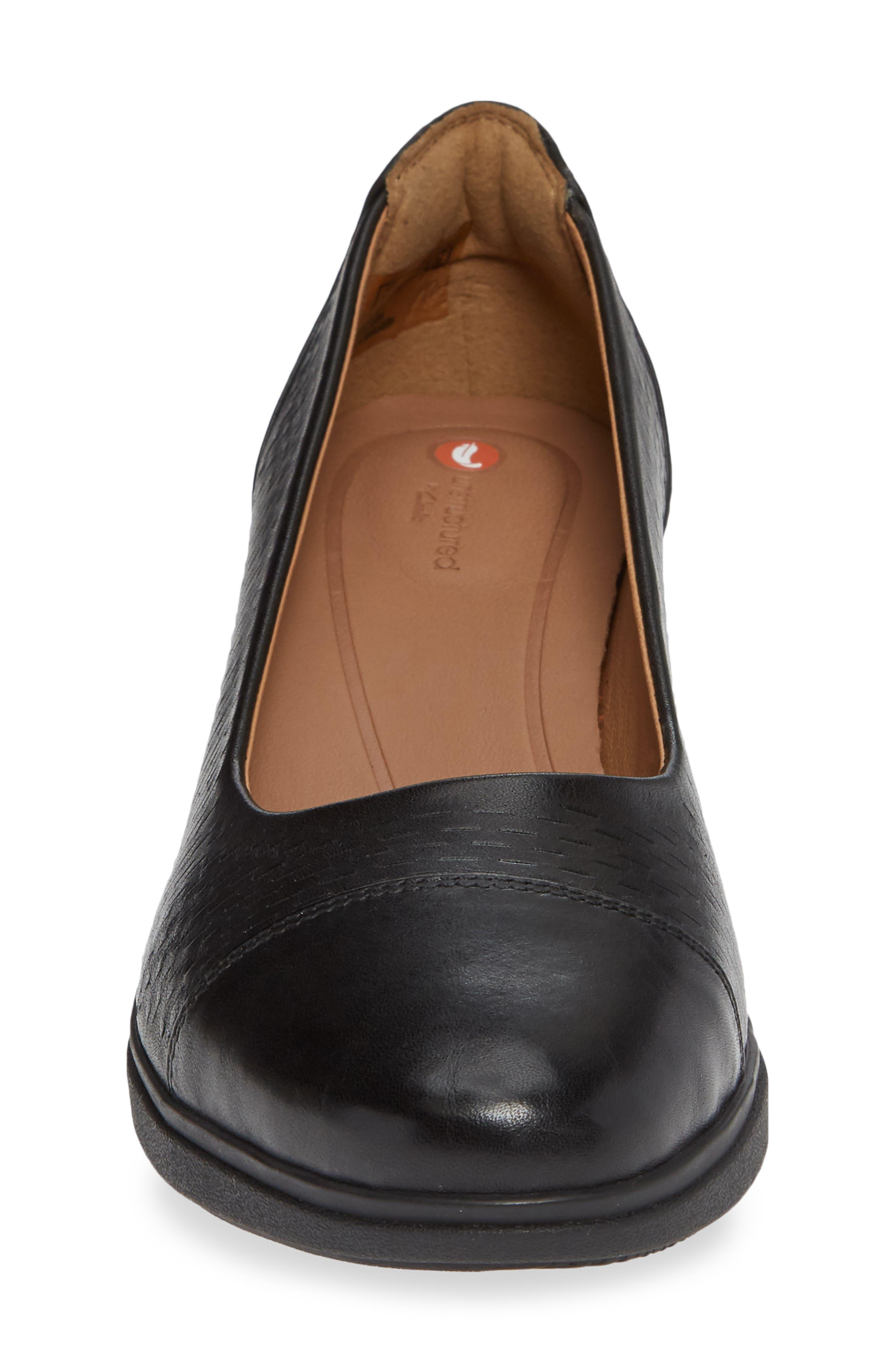 Un Tallara Dee Wedge Pump,                             Alternate thumbnail 4, color,                             Black Leather