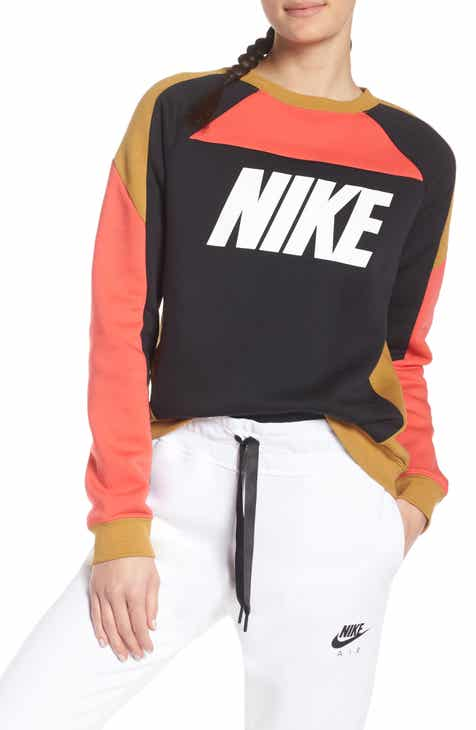 59b906af0ca Nike Colorblock Fleece Sweatshirt