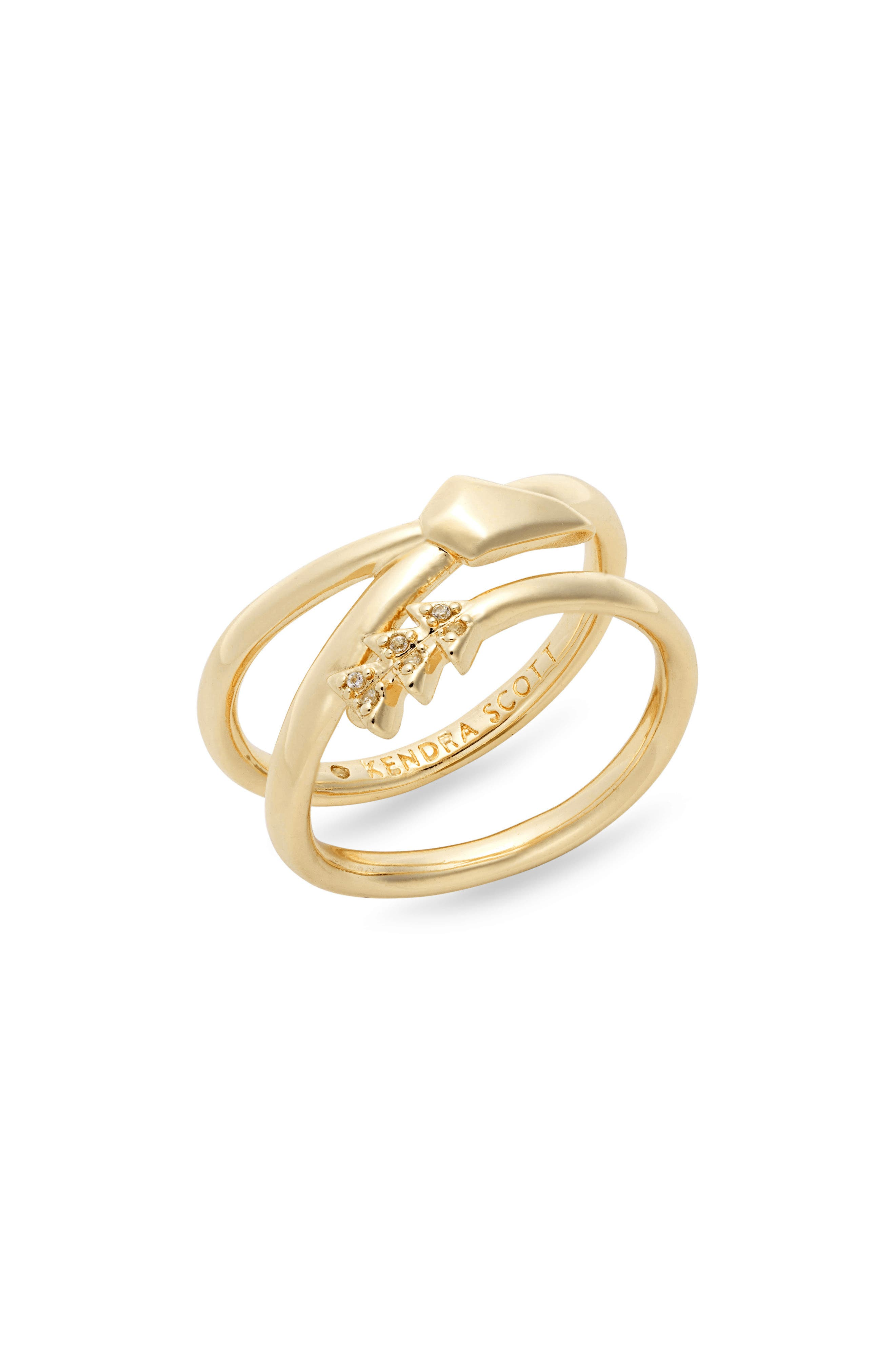 women and girls Club charm ring made with copper wire in a gold color