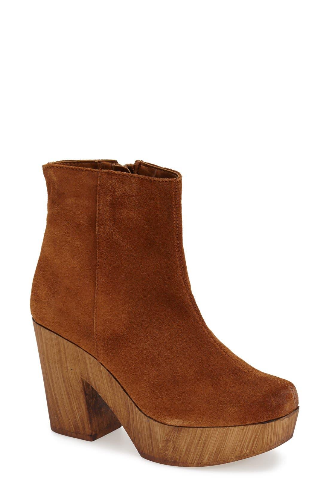 Alternate Image 1 Selected - Topshop 'Hitch' Platform Chelsea Boot (Women)