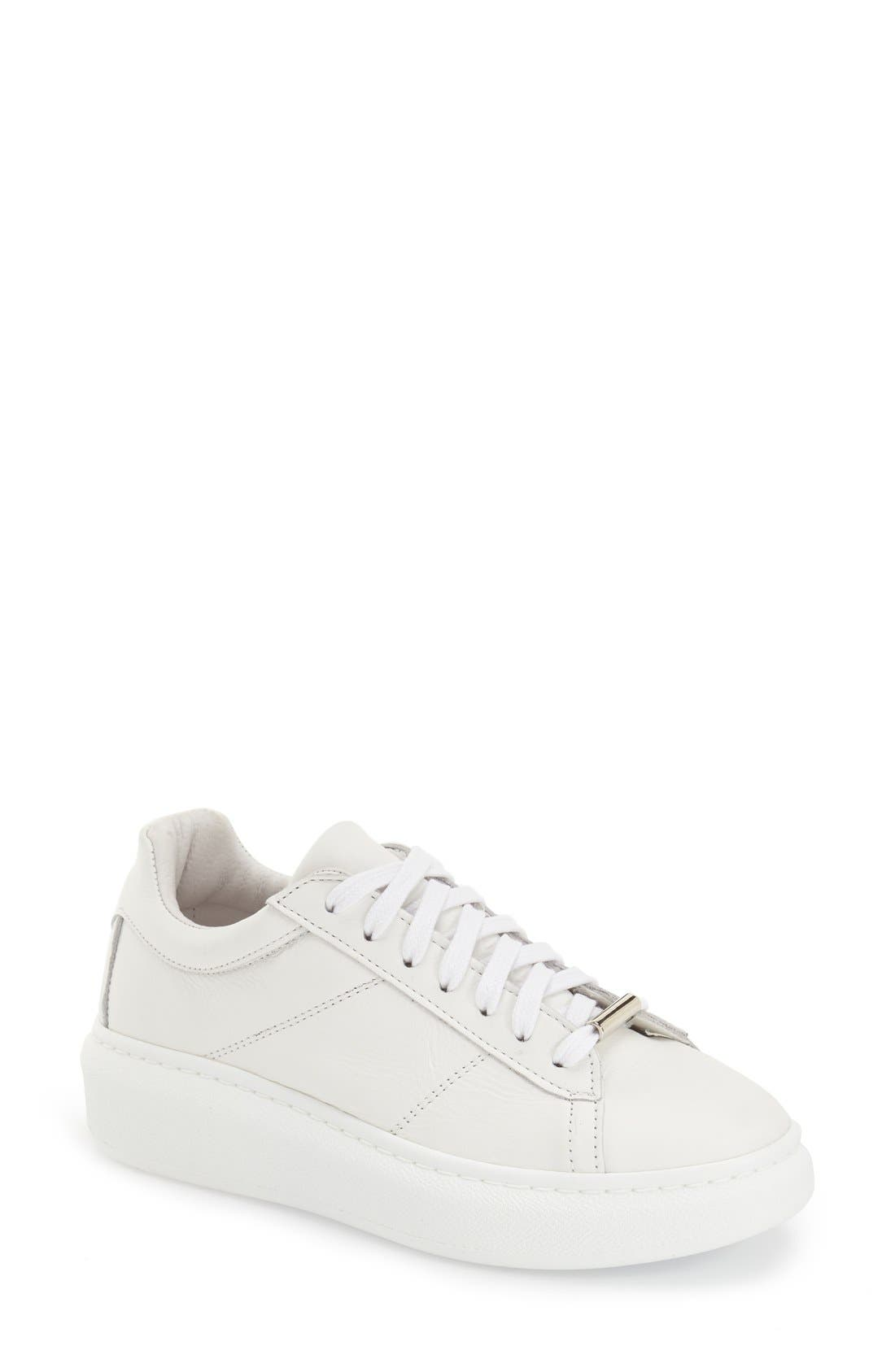 Main Image - Topshop 'Toulouse' Leather Sneaker (Women)