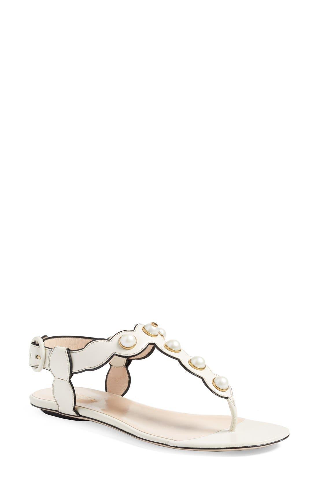 Alternate Image 1 Selected - Gucci 'Willow' Thong Sandal (Women)