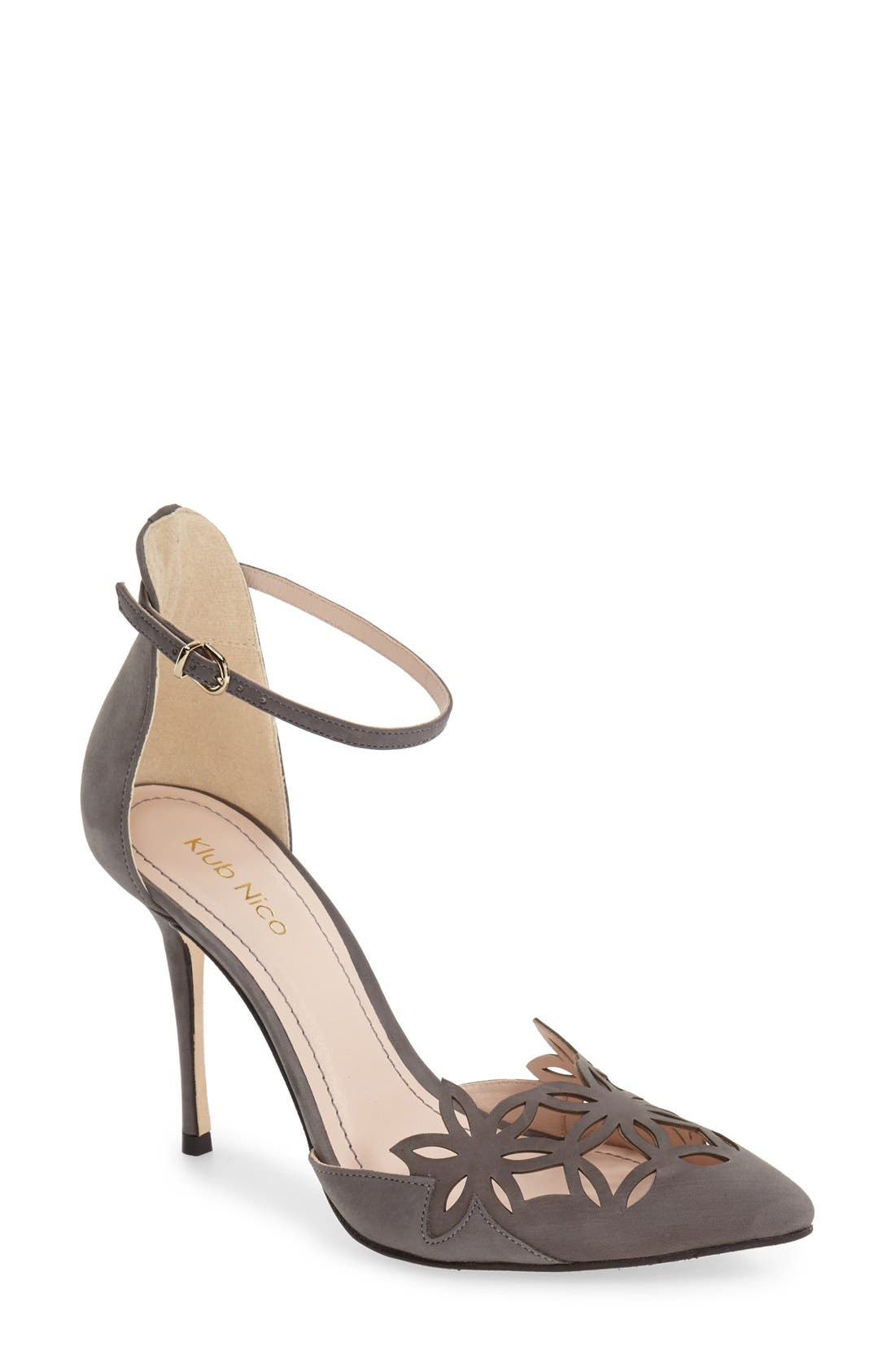 Klub Nico 'Romea' Pointy Toe Pump (Women)