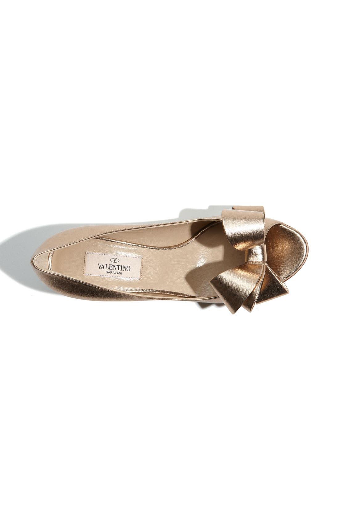 Alternate Image 3  - VALENTINO GARAVANI Metallic Nappa Couture Bow Pump