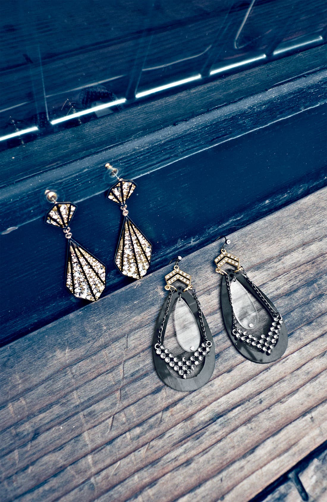 Alternate Image 2  - Jewelry Fashions 'Chevron Empress' Earrings