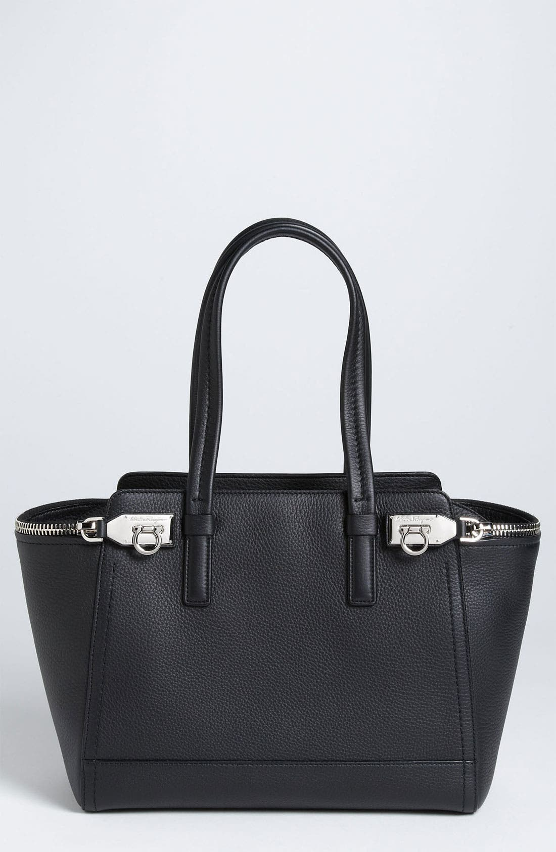 Main Image - Salvatore Ferragamo 'Small Arianna' Leather Satchel