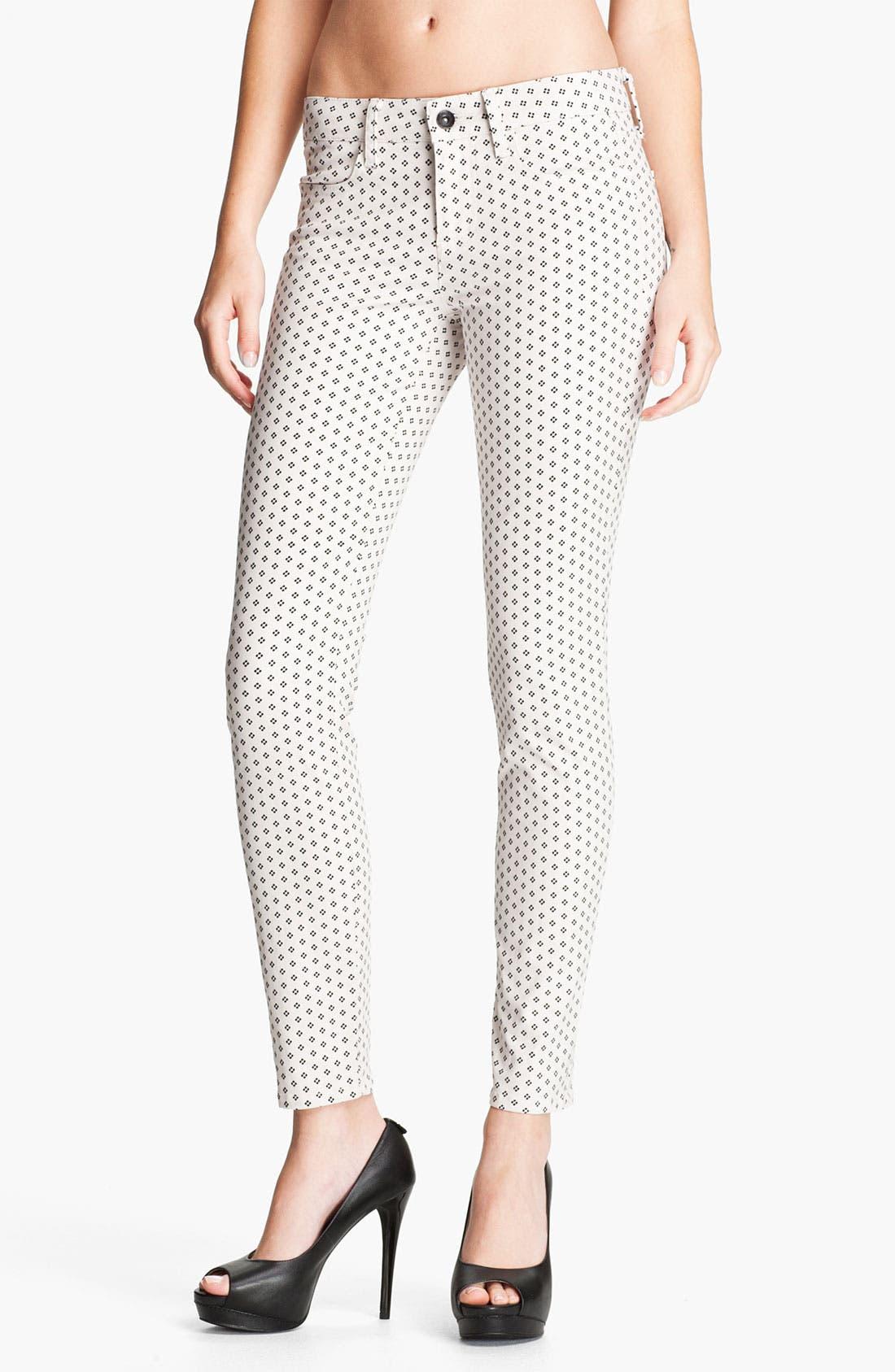 Main Image - Splendid Print Skinny Jeans (Swan)