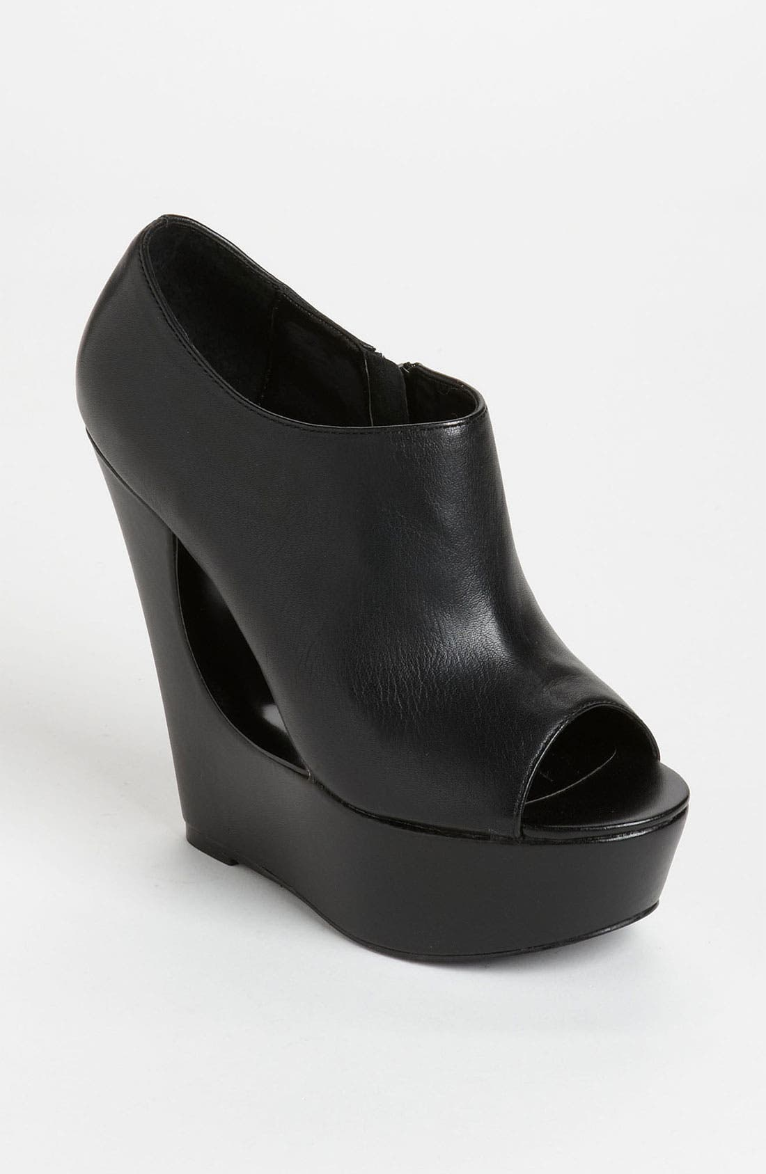 Alternate Image 1 Selected - Steve Madden 'Delttaa' Bootie