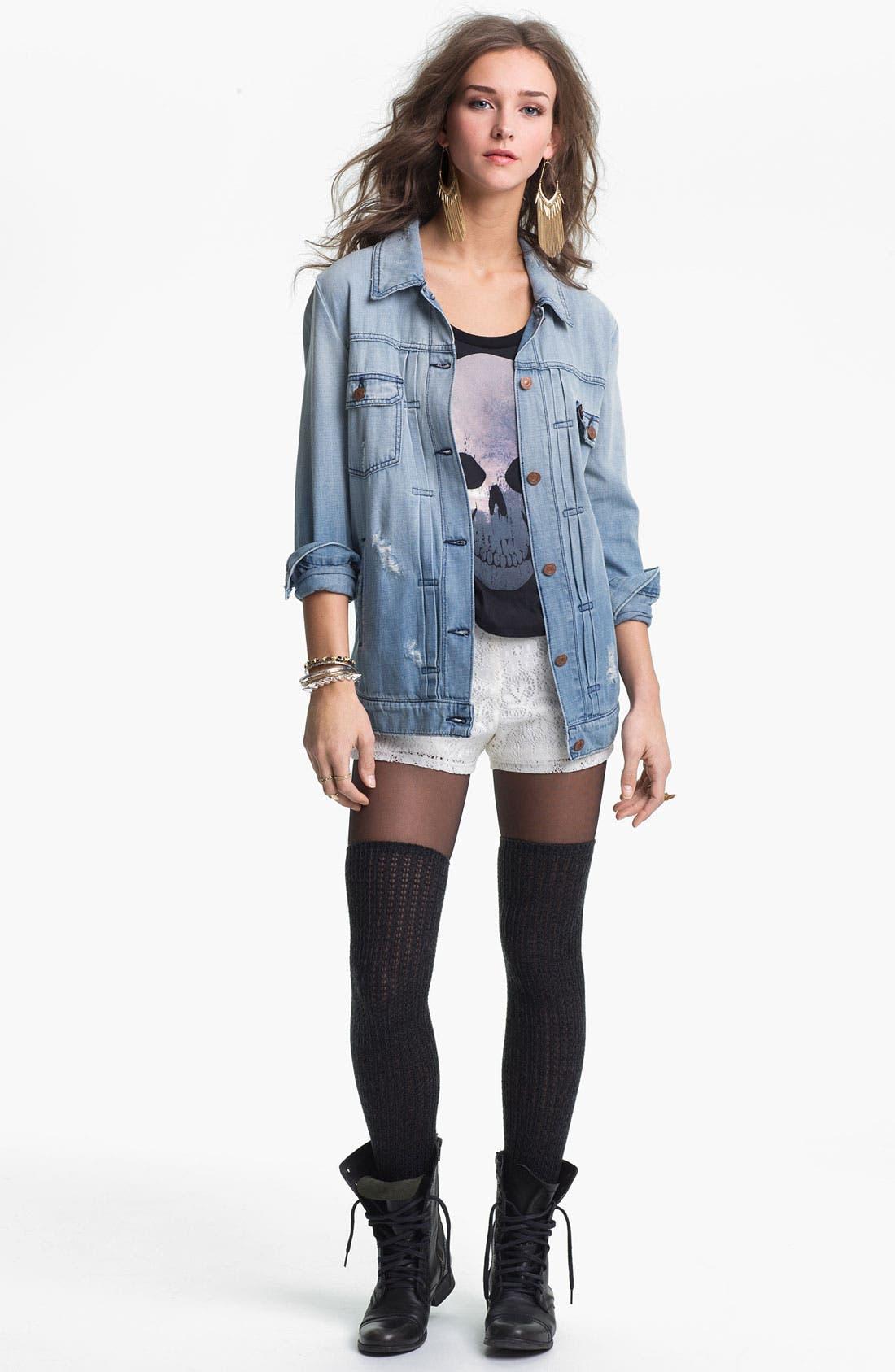 Alternate Image 3  - Mimi Chica Lace Shorts (Juniors)