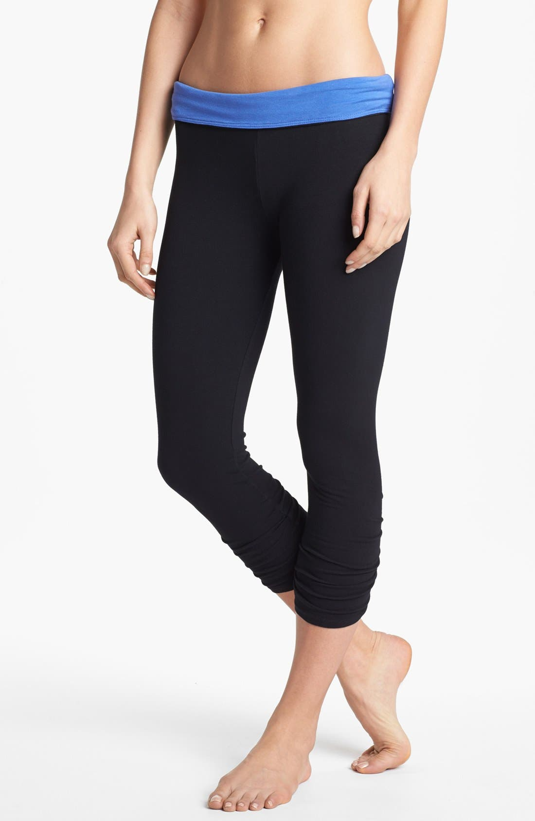 Alternate Image 3  - Solow Shirred Crop Leggings with Contrast Waistband