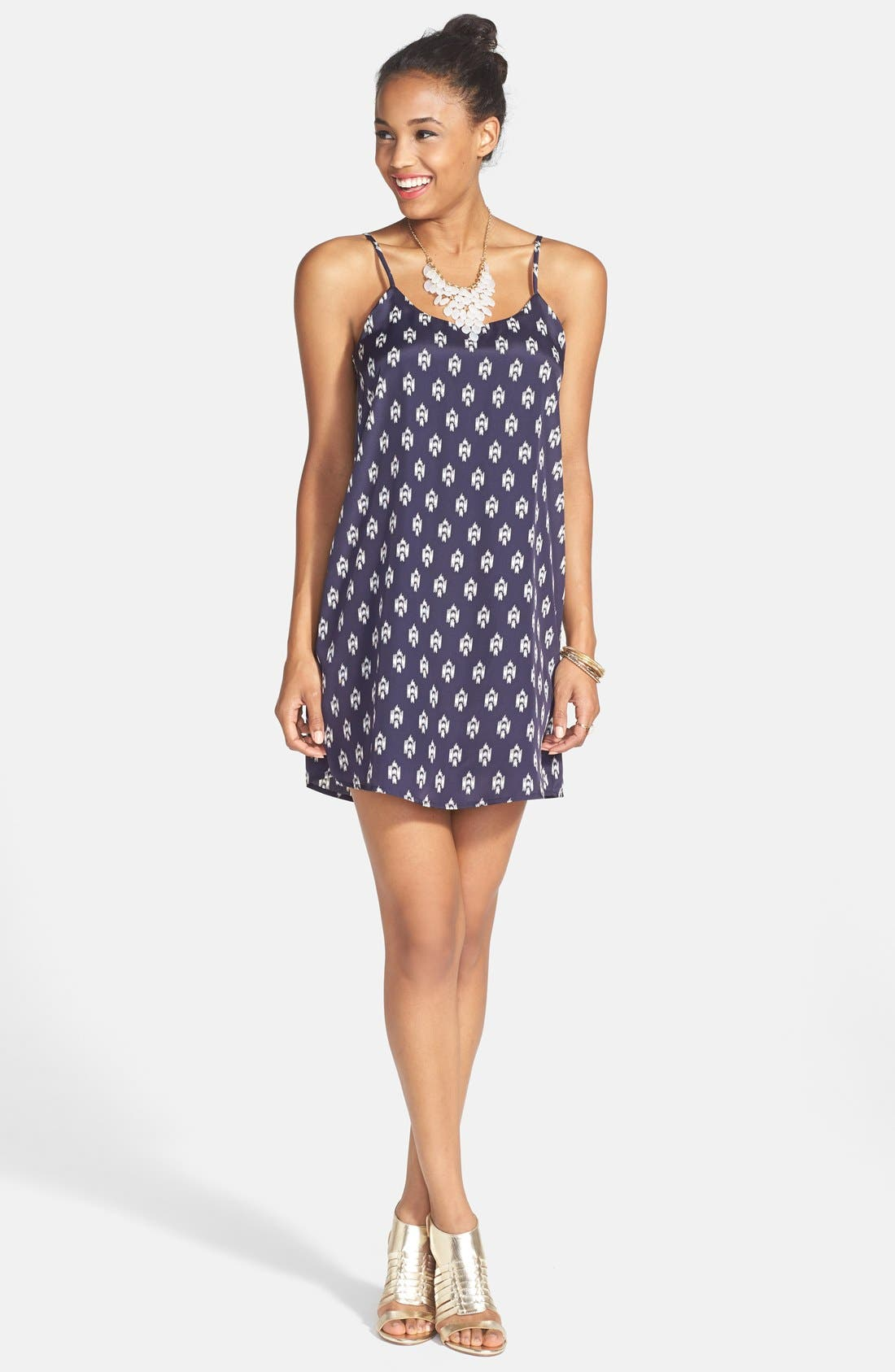 Main Image - Everly Bow Back Shift Dress (Juniors)