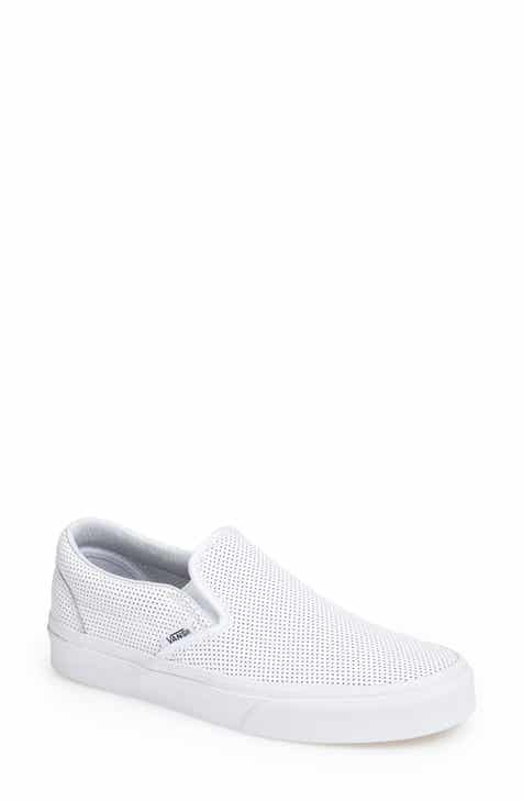 a8c1346d31f2 Vans  Classic  Sneaker (Women)