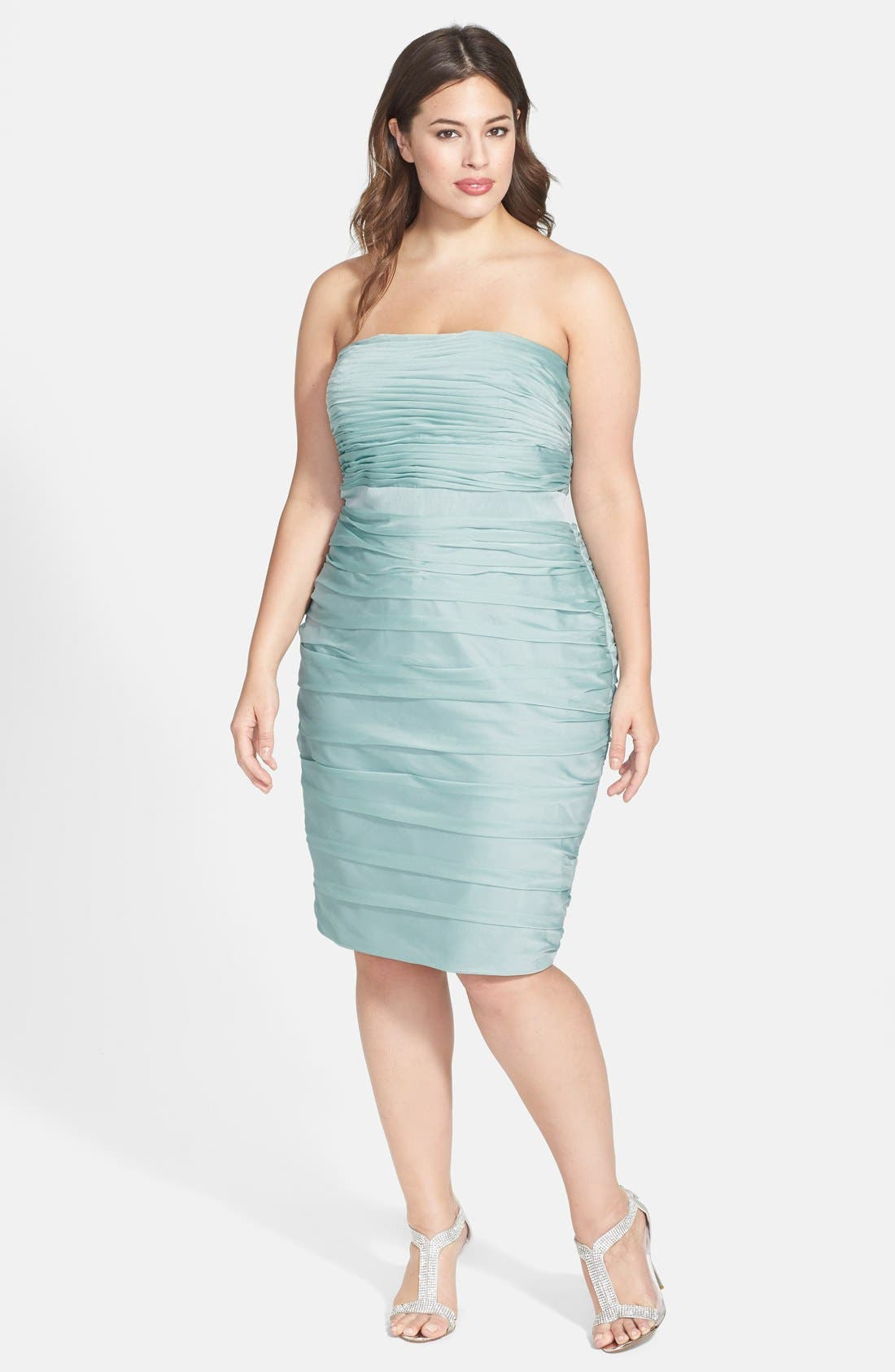 Main Image - ML Monique Lhuillier Bridesmaids Ruched Strapless Cationic Chiffon Dress (Nordstrom Exclusive) (Plus Size)