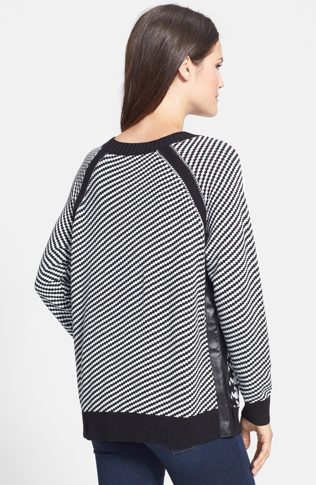Alternate Image 2  - Two by Vince Camuto Houndstooth Front Jacquard Sweater