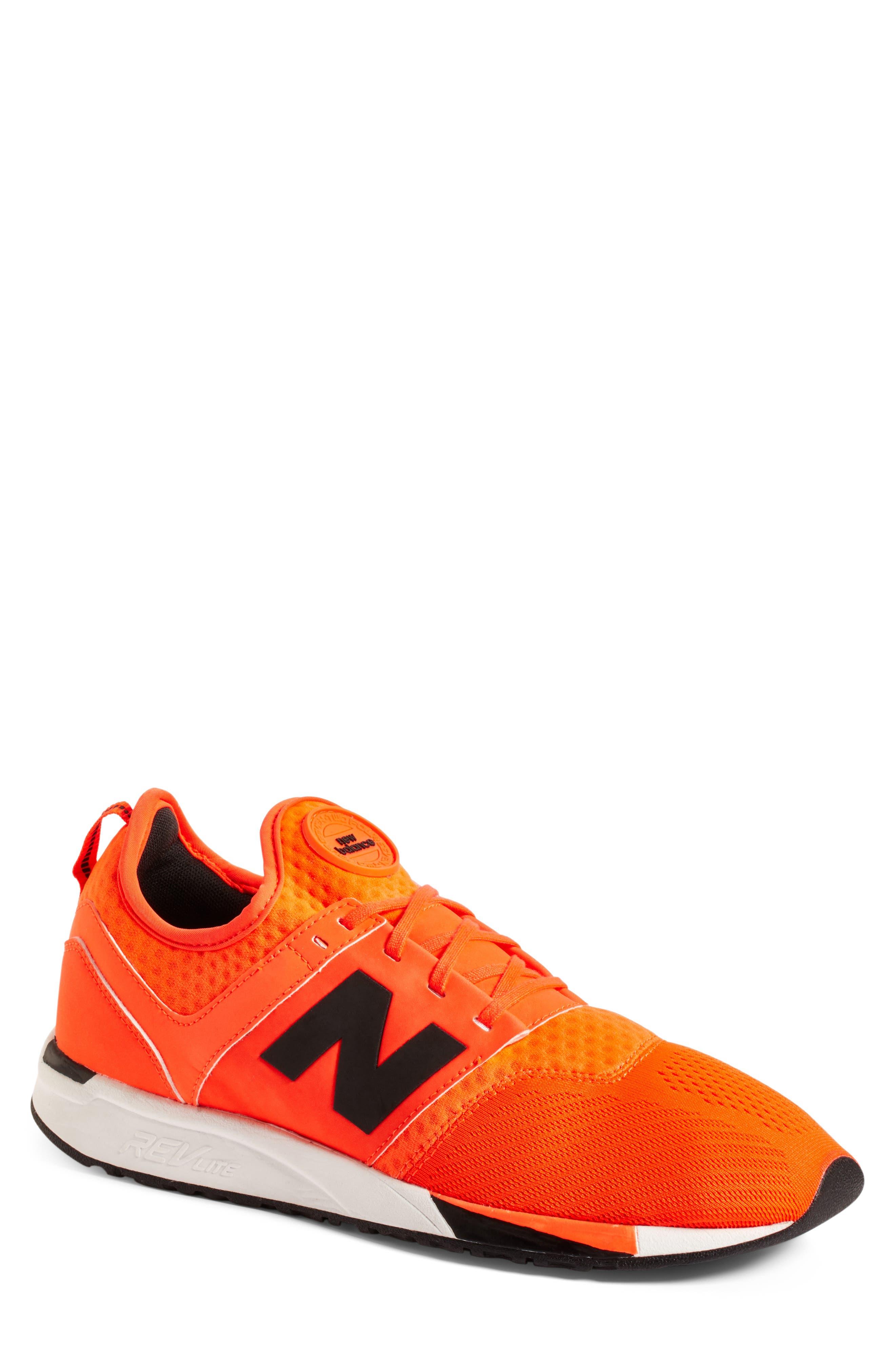 NEW BALANCE 247 Modern Classics Sneaker