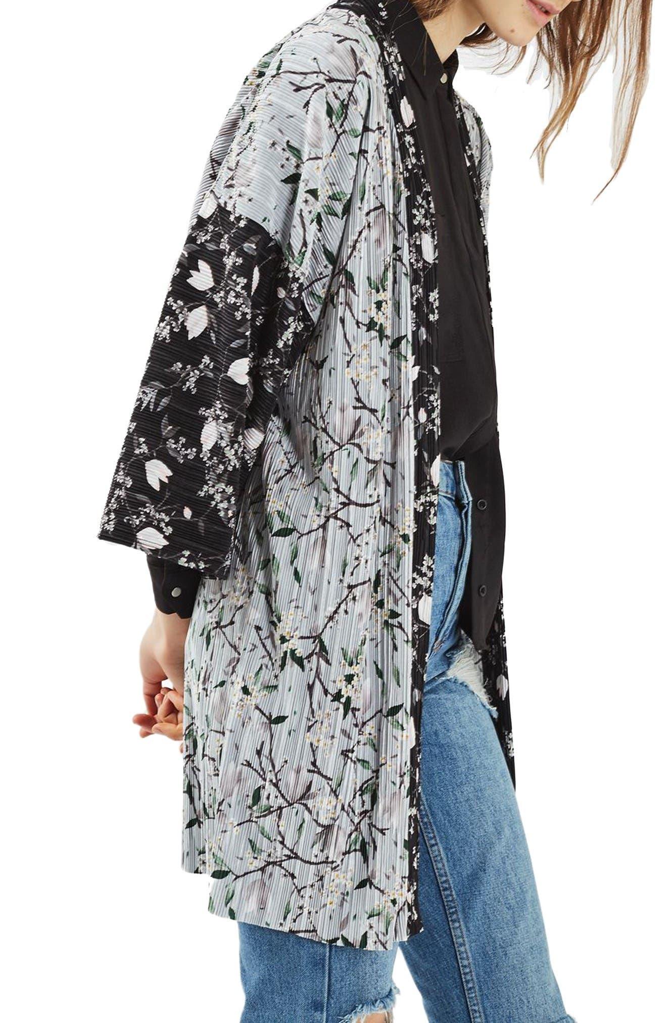 Alternate Image 1 Selected - Topshop Print Plissé Kimono
