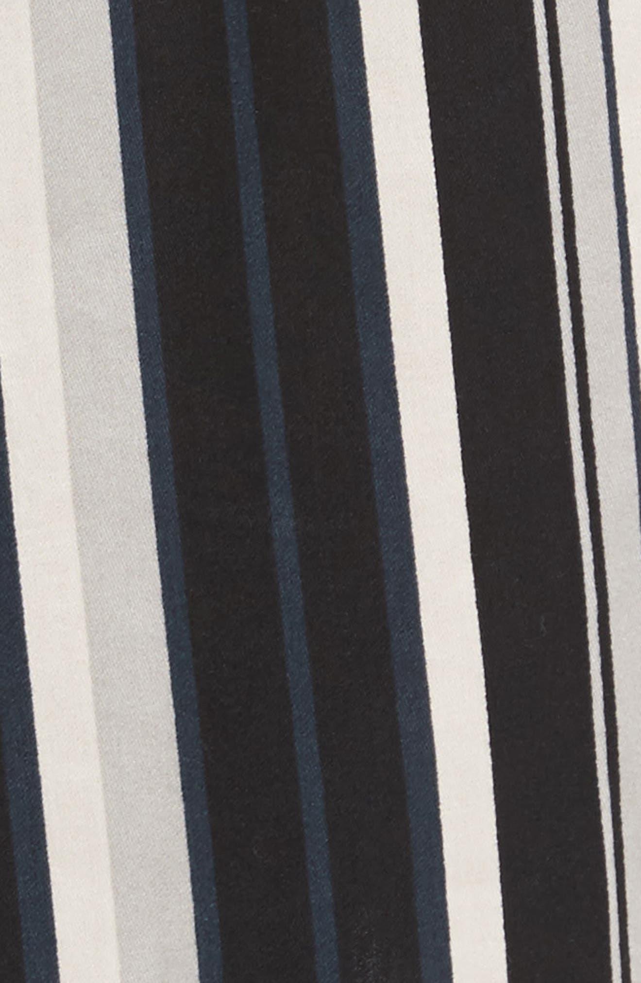 Alternate Image 5  - Majestic International Winslow Robe