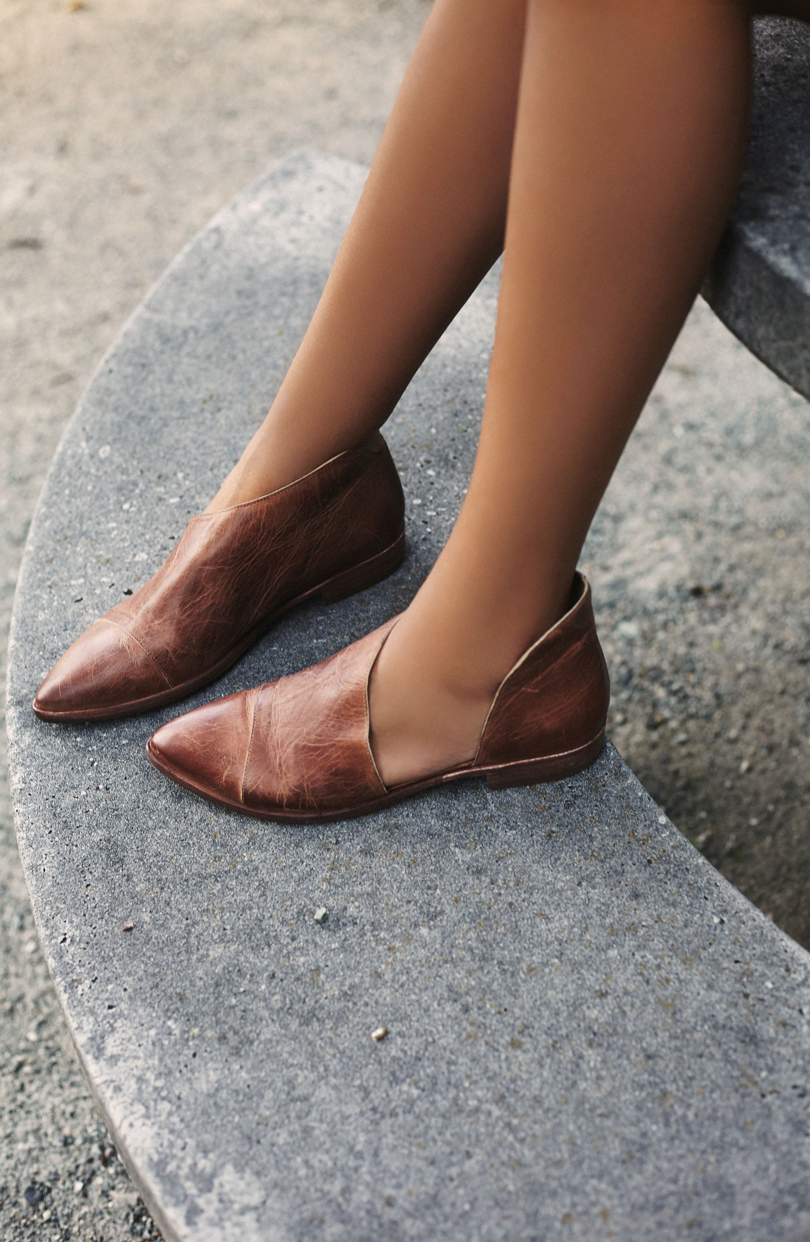 'Royale' Pointy Toe Flat,                             Alternate thumbnail 5, color,