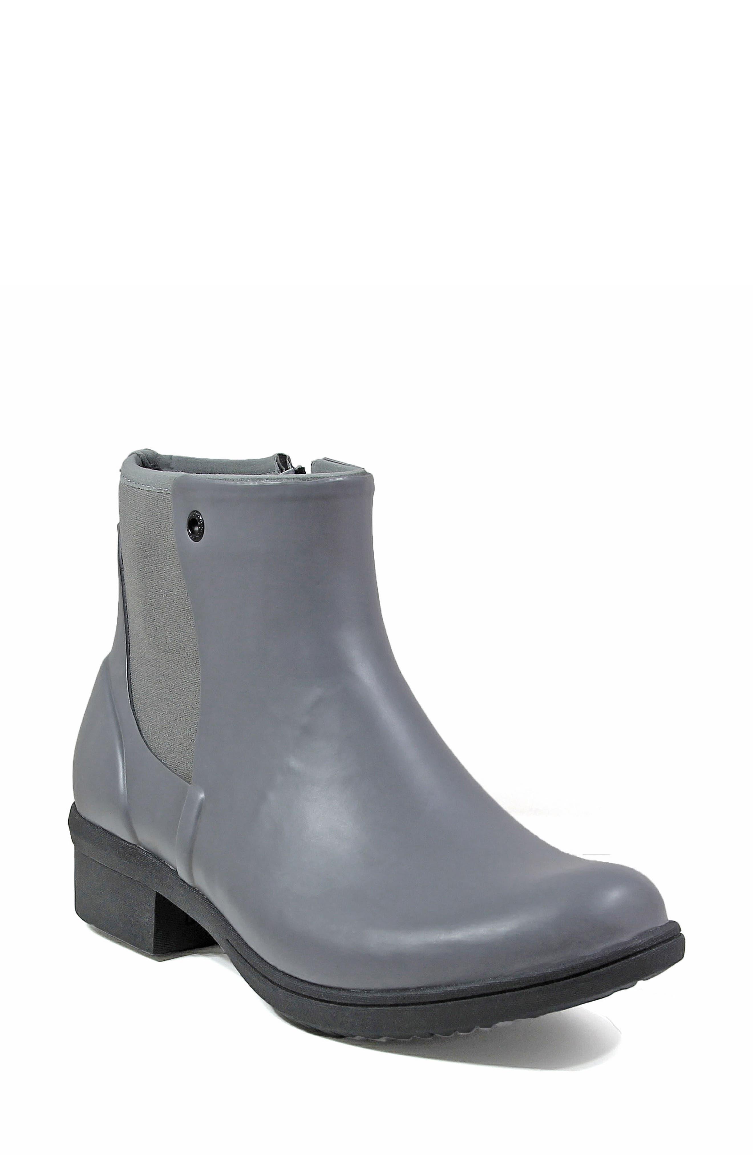 Alternate Image 1 Selected - BOGS Auburn Insulated Waterproof Boot (Women)