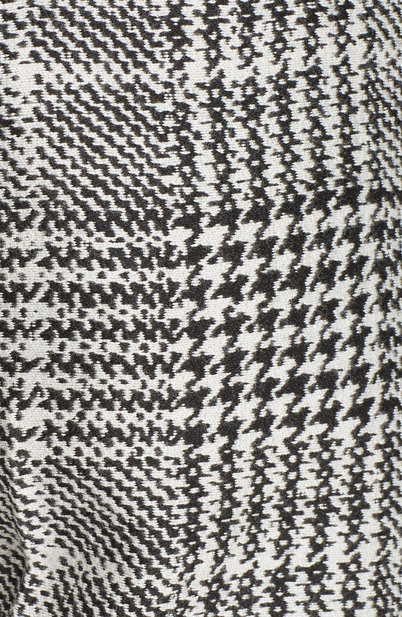 Prince of Wales Print Crop Pants,                             Alternate thumbnail 5, color,                             Black/ White