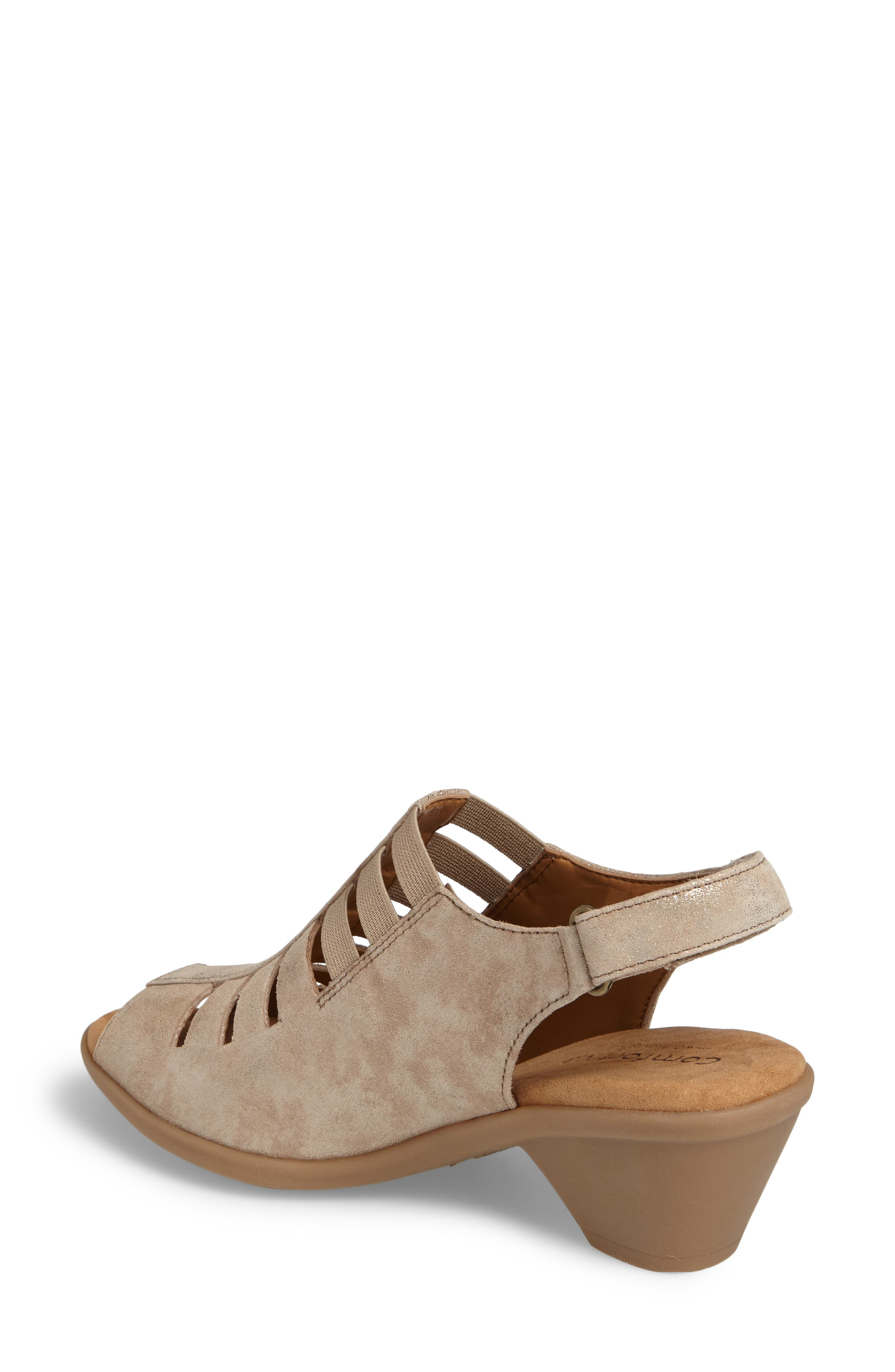Muk Luks Sue Ellen Sandal Tan Stripe C65n8559
