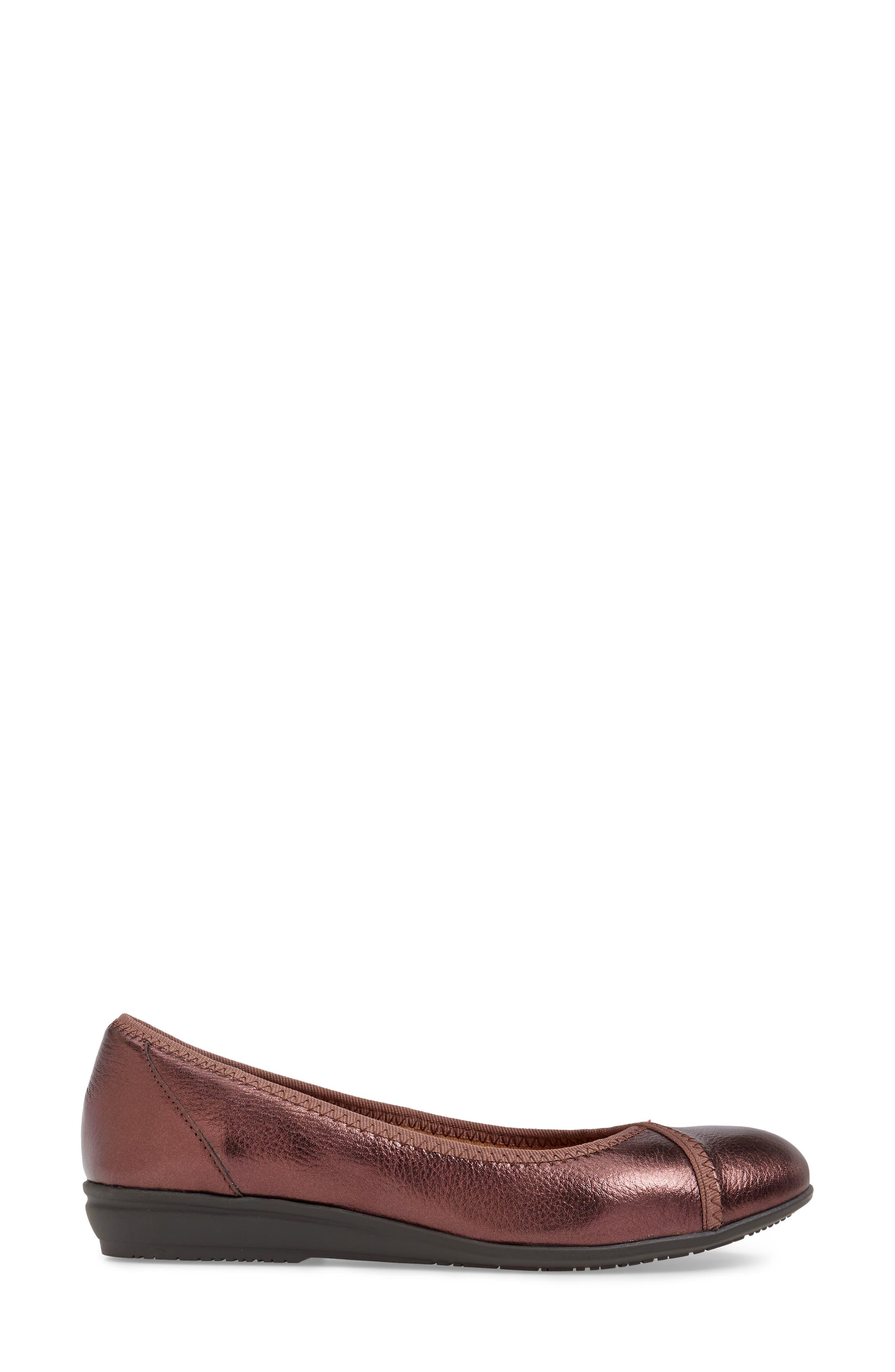 Eaton Flat,                             Alternate thumbnail 3, color,                             Chianti Metallic Leather
