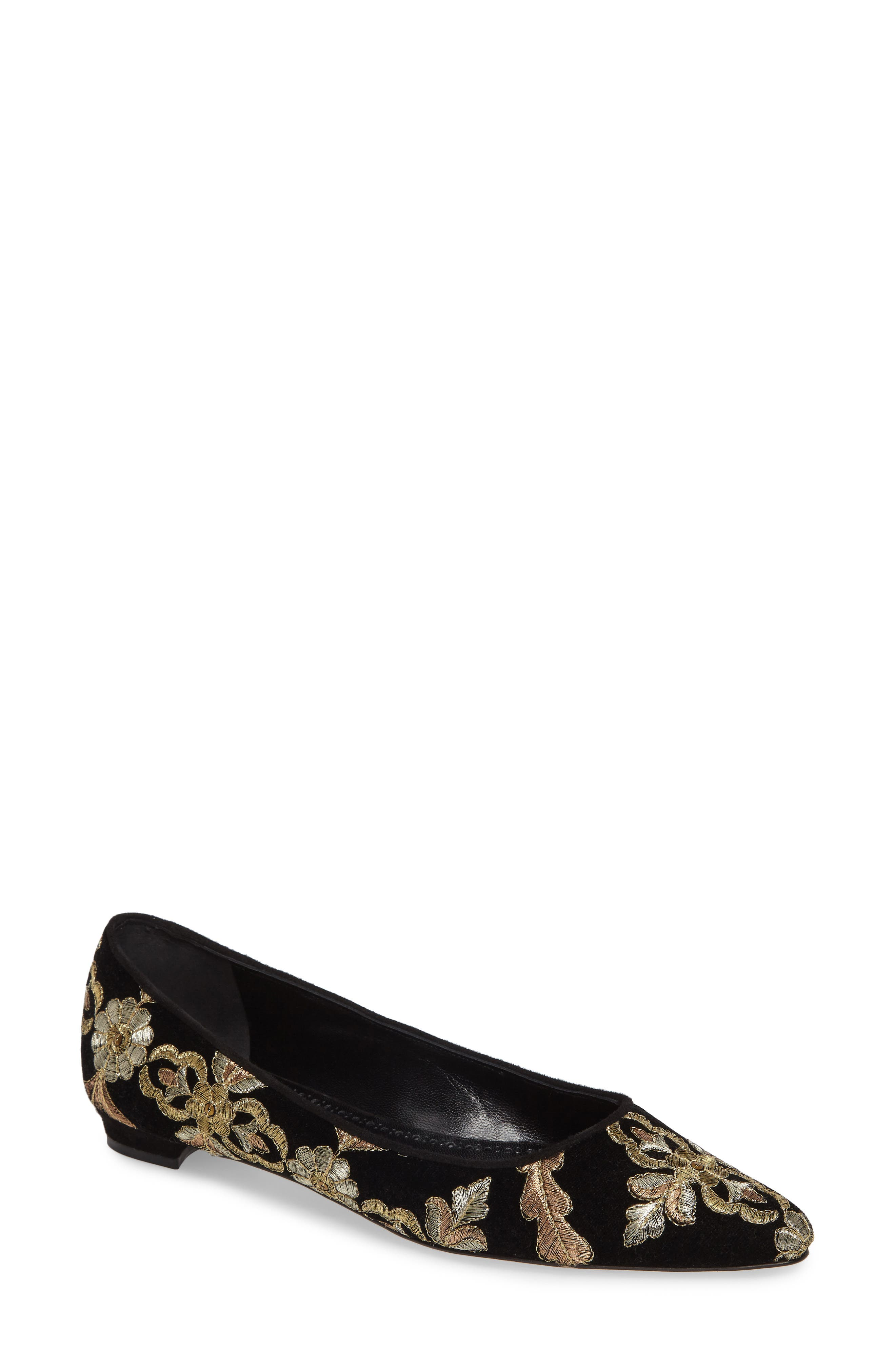 Manolo Blahnik Tittermo Floral Embroidered Ballet Flat (Women)