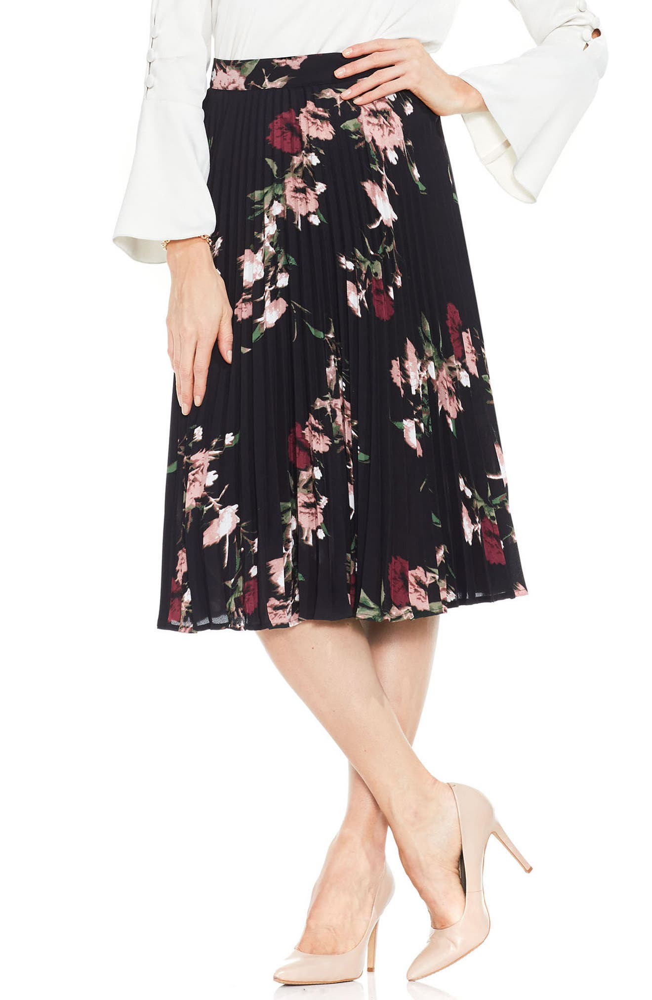 Alternate Image 1 Selected - Vince Camuto Windswept Bouquet Skirt