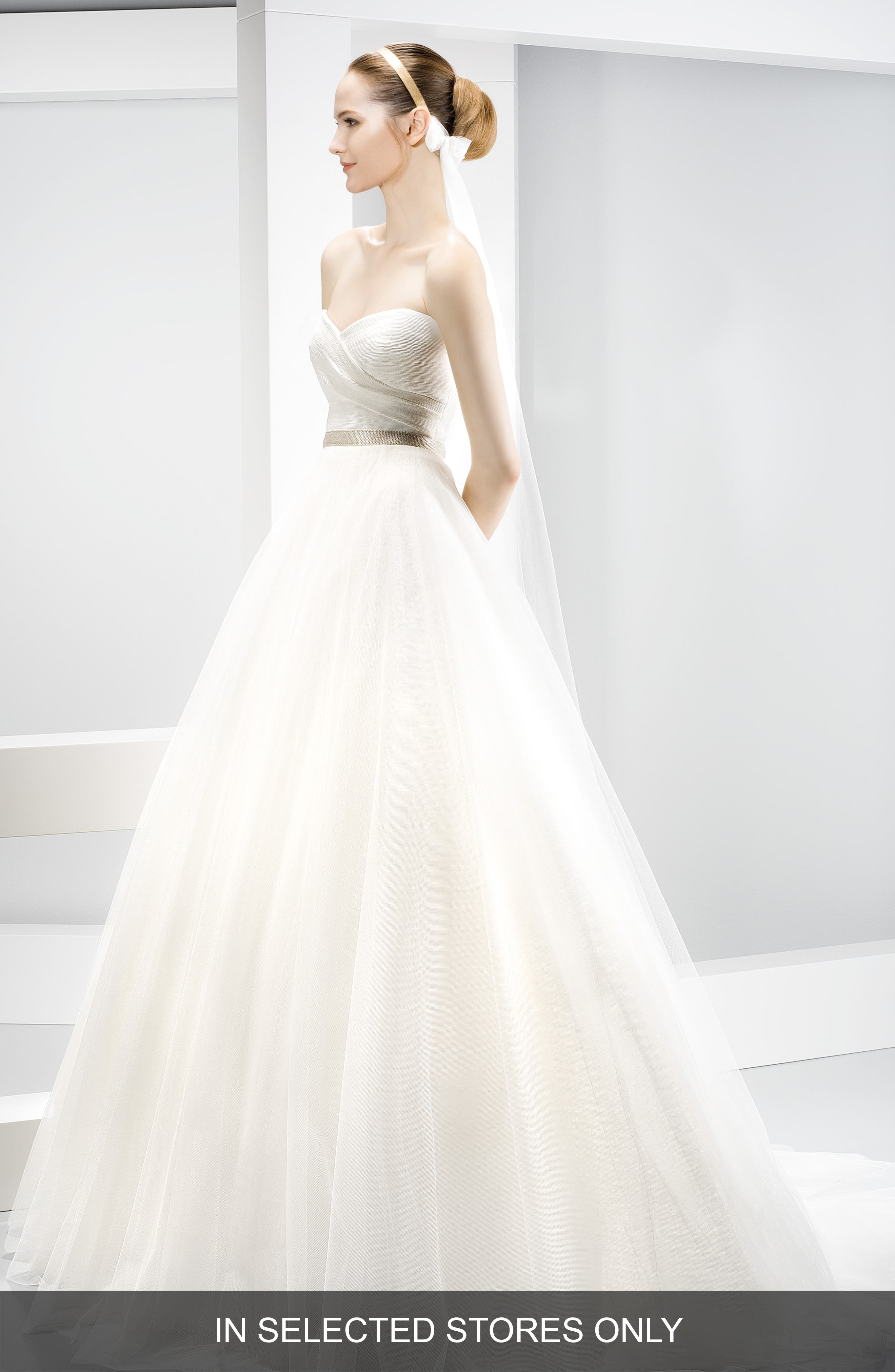 Strapless Sweetheart Tulle Ballgown,                             Main thumbnail 1, color,                             Ivory