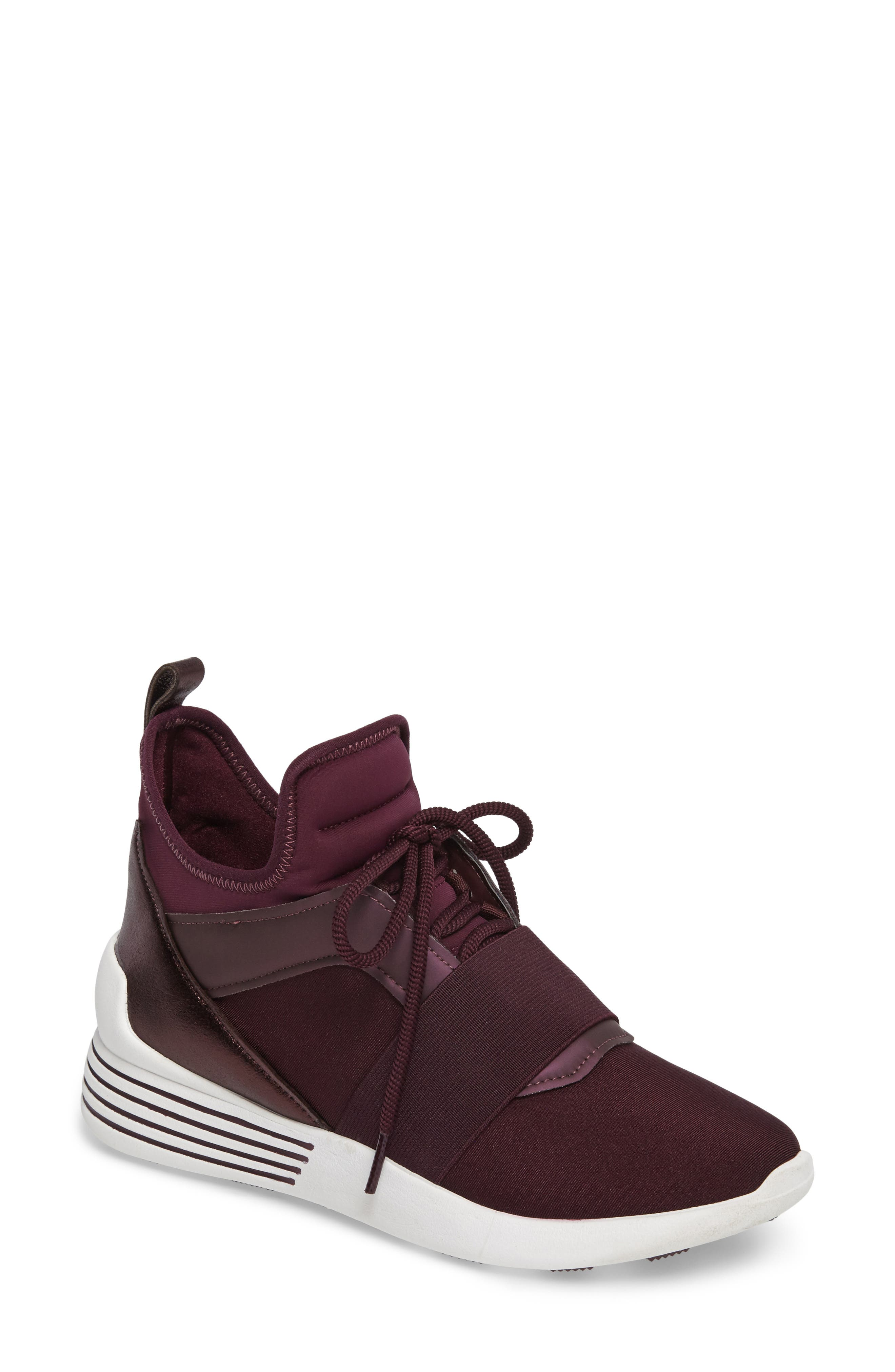 KENDALL + KYLIE Braydin Sneaker (Women)