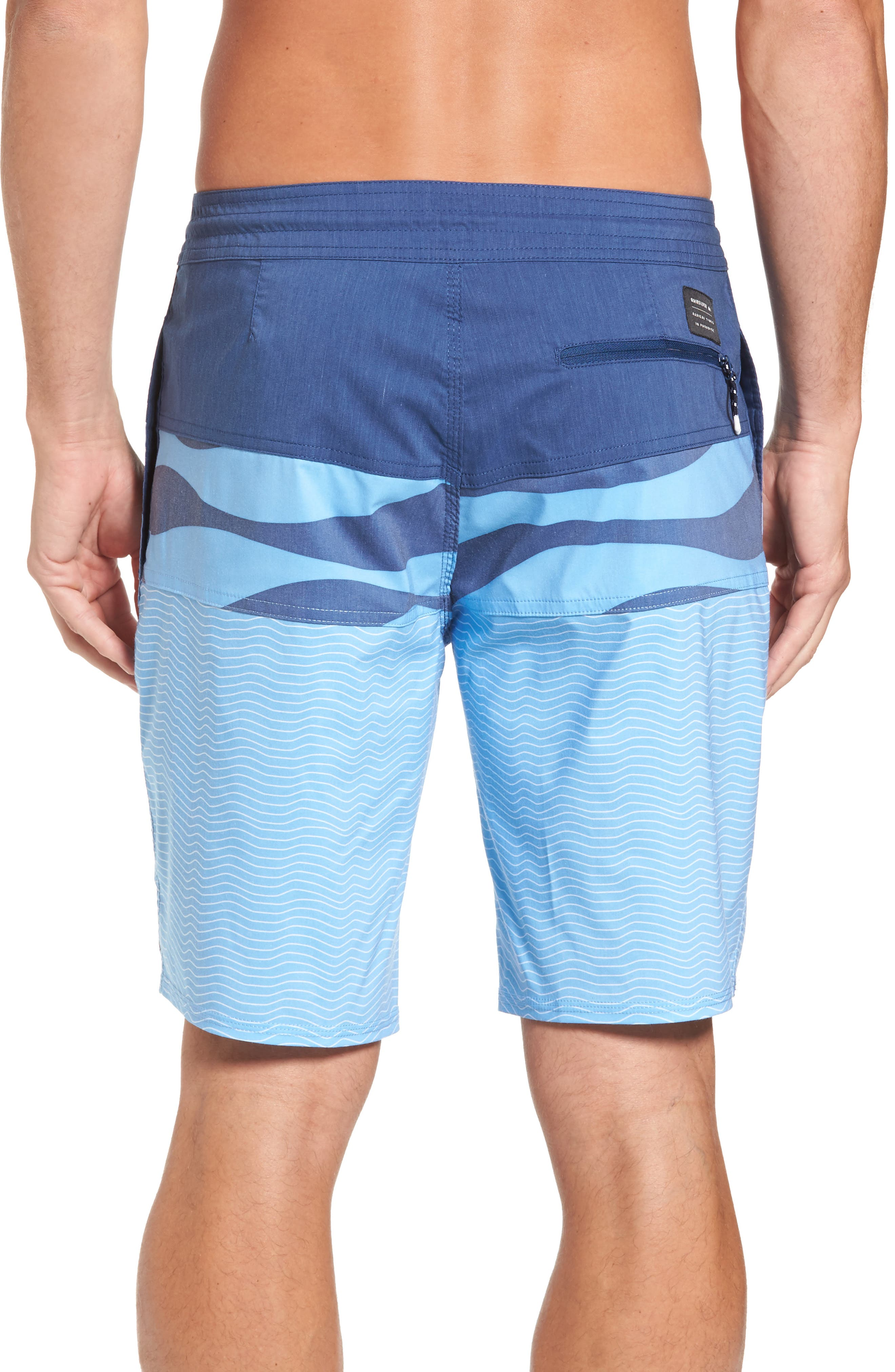 Alternate Image 2  - Quiksilver Heatwave Blocked Board Shorts