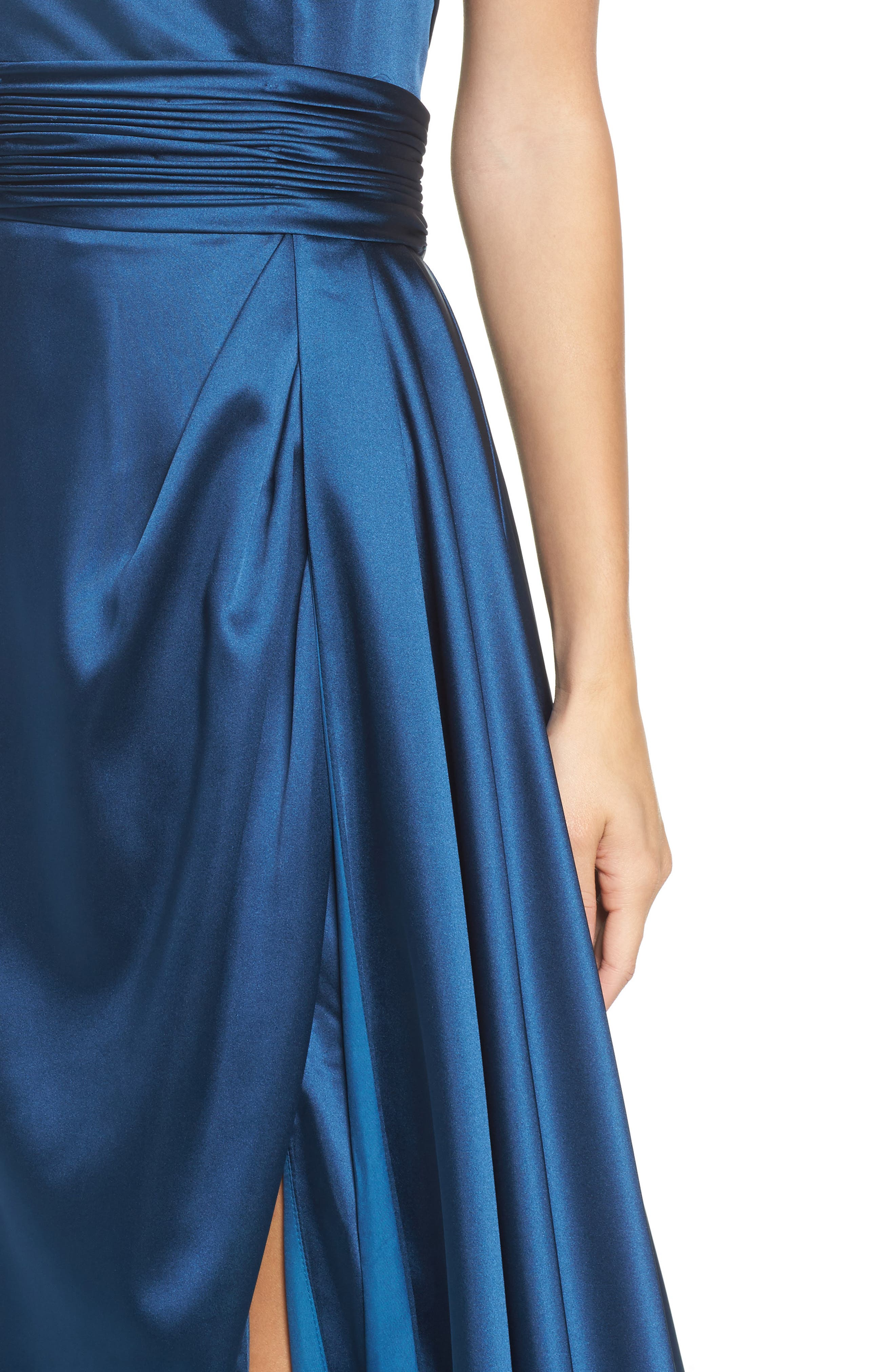 Alternate Image 4  - Mac Duggal Ruched Strapless Satin Gown