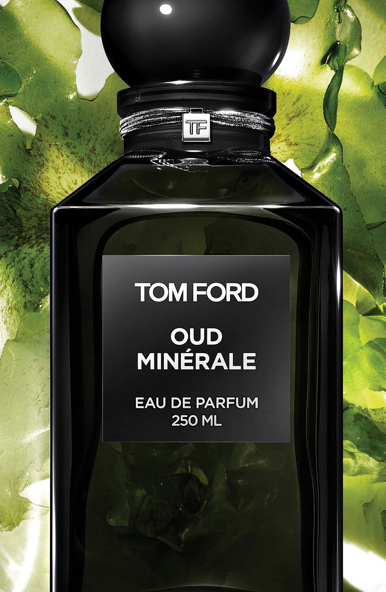 Alternate Image 2  - Tom Ford Private Blend Oud Minérale Eau de Parfum